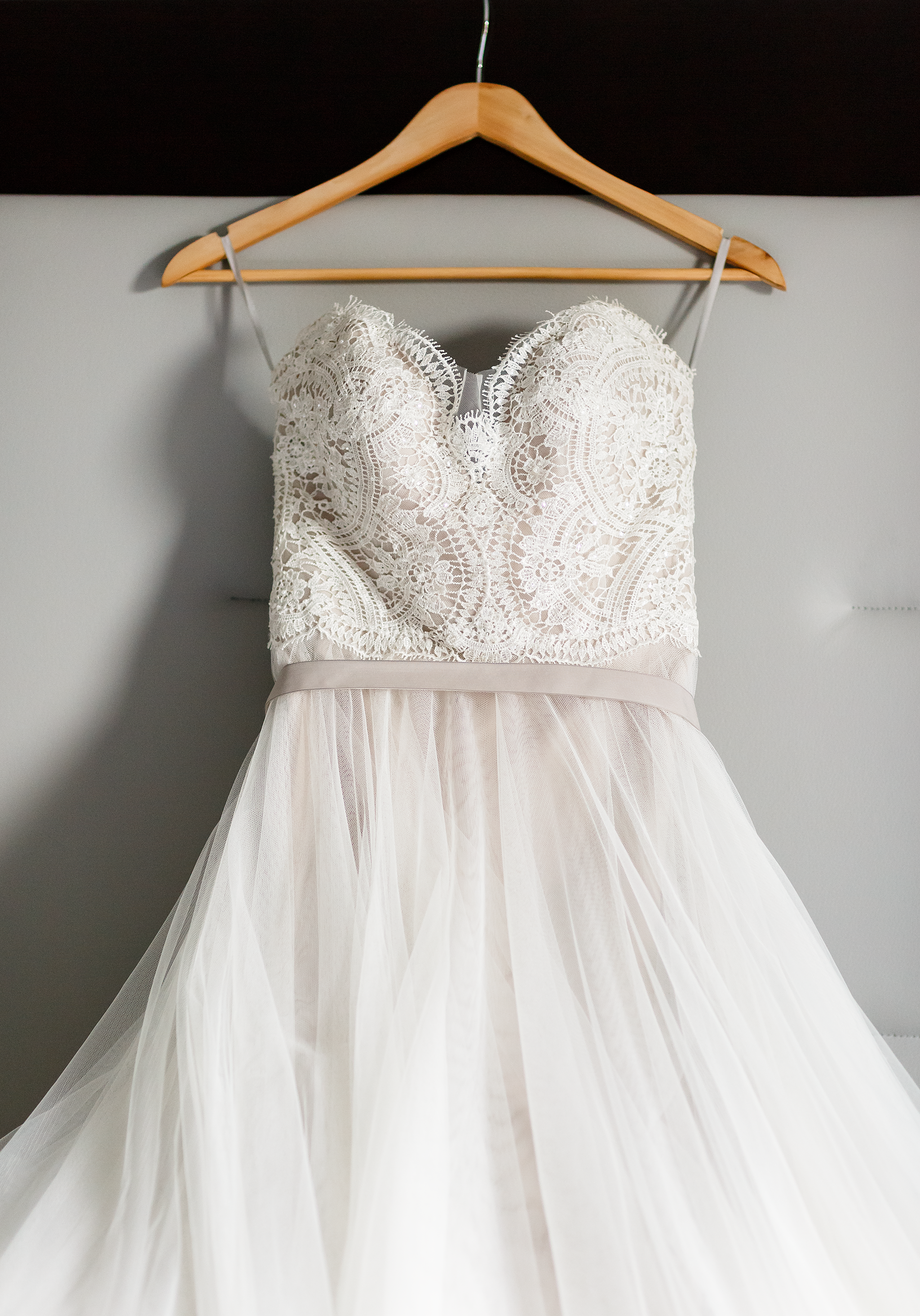 Atlanta_wedding_photographer_Leah Eversley_photography_wedding_dress.png.png