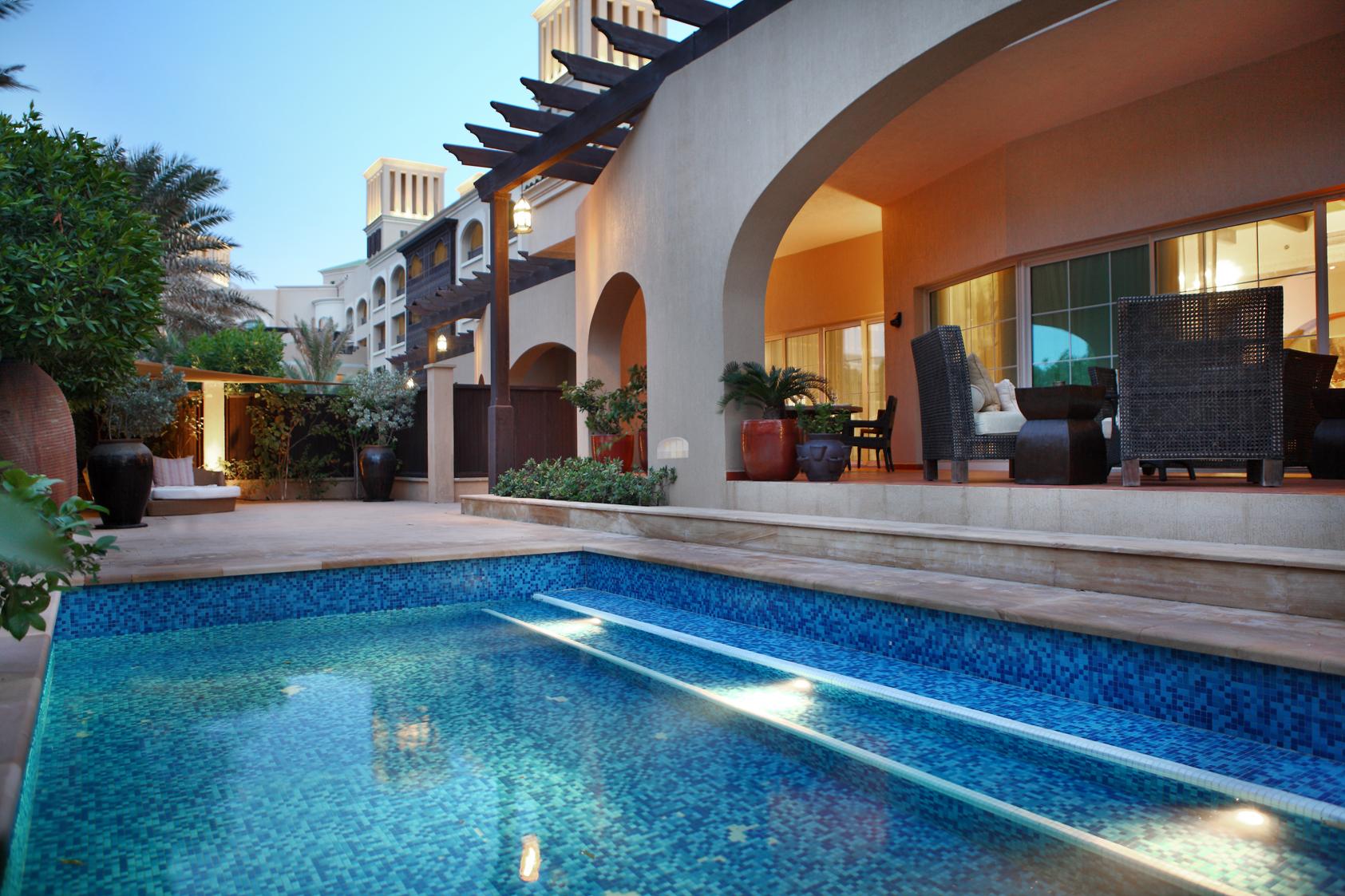 43419335-H1-Royal_Villa_pool_area.jpg