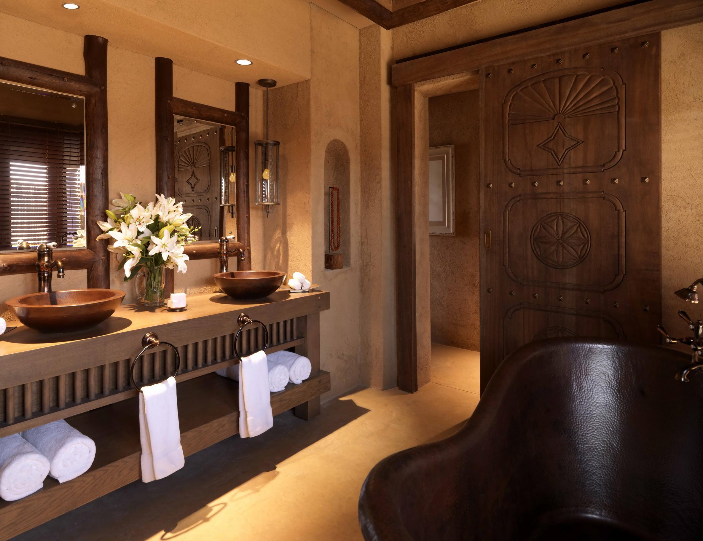 53717590-H1-Bathroom.jpg
