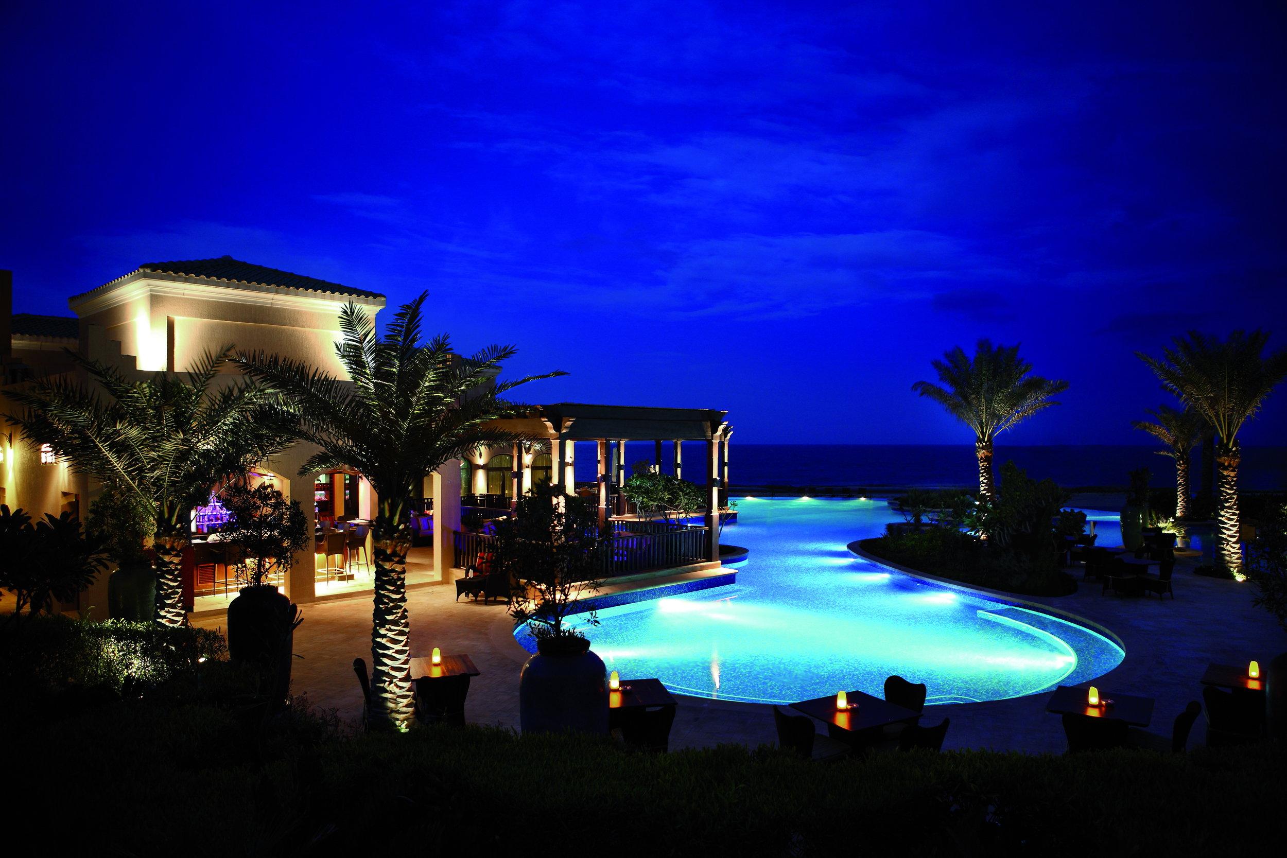 45022647-H1-Swimming_pool_at_night.jpg