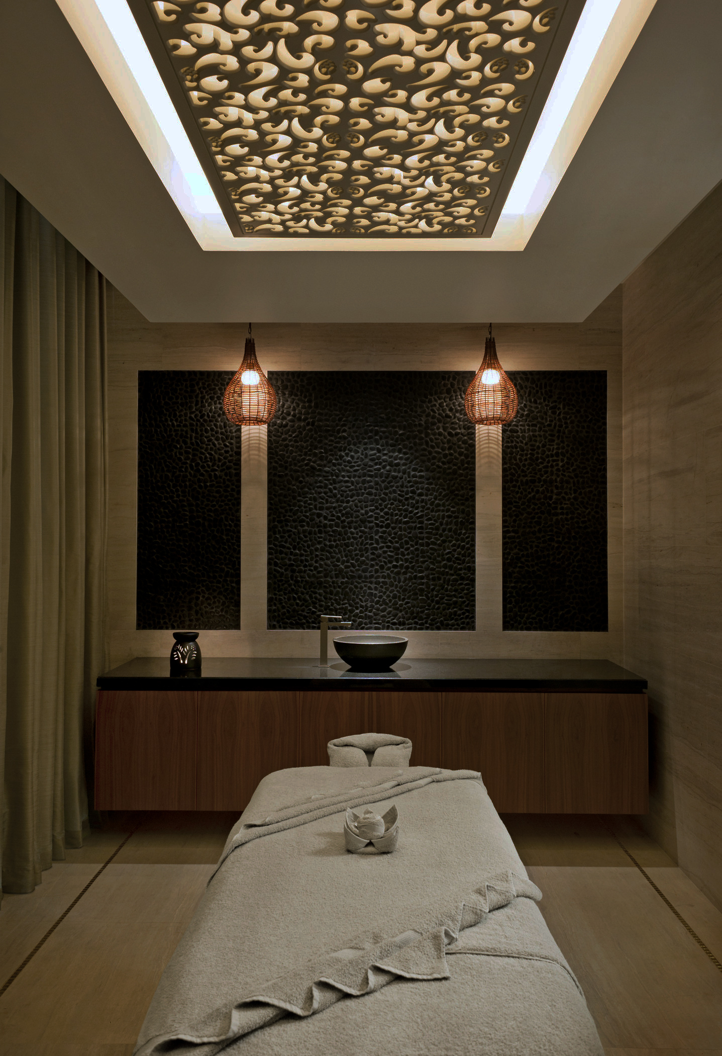 Iridium Spa - Treatment Room.jpg