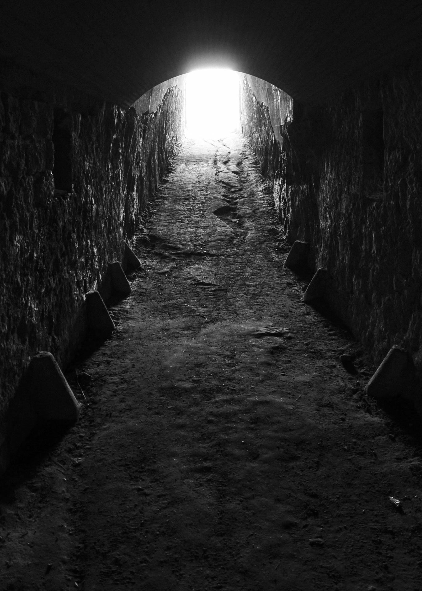 darktunnell.jpg