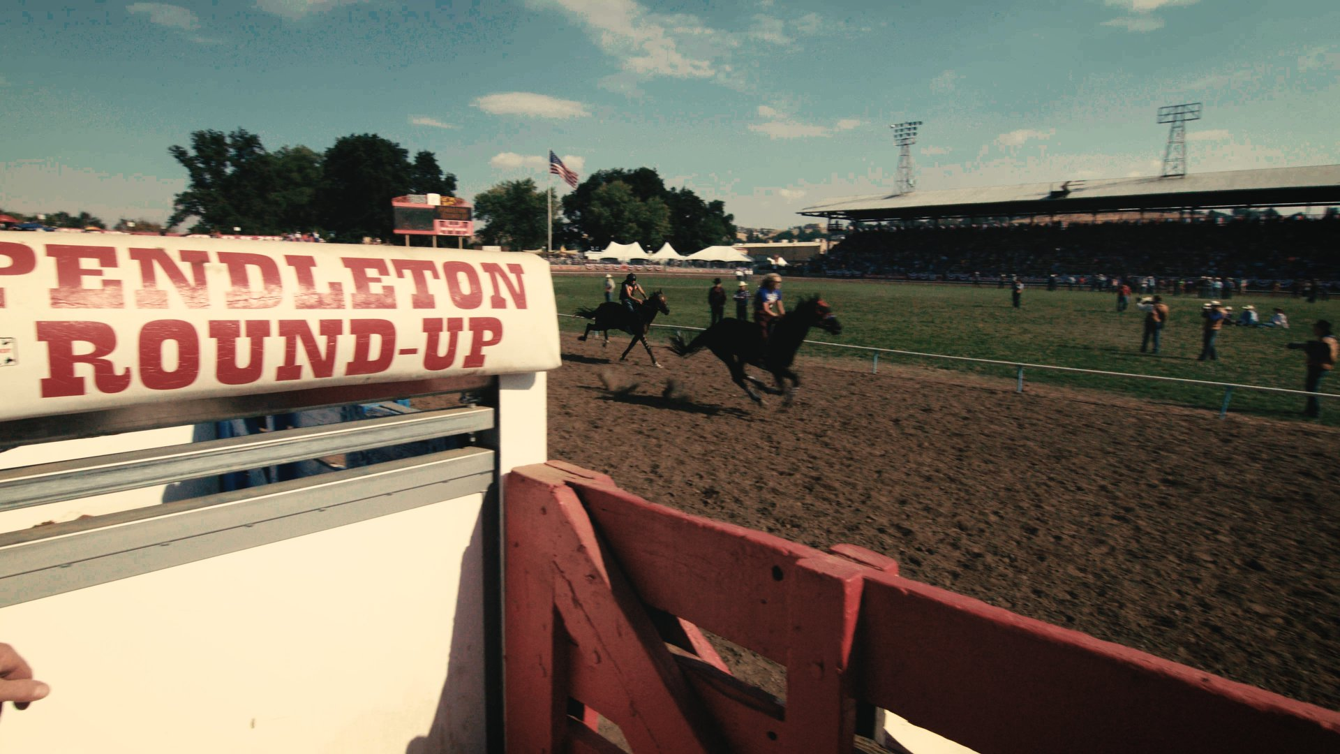 - Let'er Buck tells the astonishing history and inspiring stories of cowboys and Indians, trials and triumph as a little Oregon town comes together to put on an annual, century old, all-volunteer rodeo and Wild West pageant- The Pendleton Round-Up and Happy Canyon Night Show.Documentary