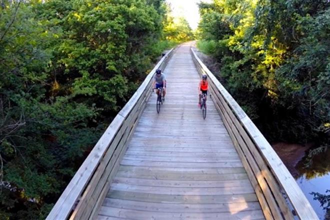 Tanglefoot Trail - The Tanglefoot Trail is a rails-to-trails bicycle path that runs from New Albany, MS at the northern end to Houston, MS at the southern end. Enjoy beautiful scenery as you travel though Mississippi on 43.6 miles of traffic-free bike path.http://tanglefoottrail.com/