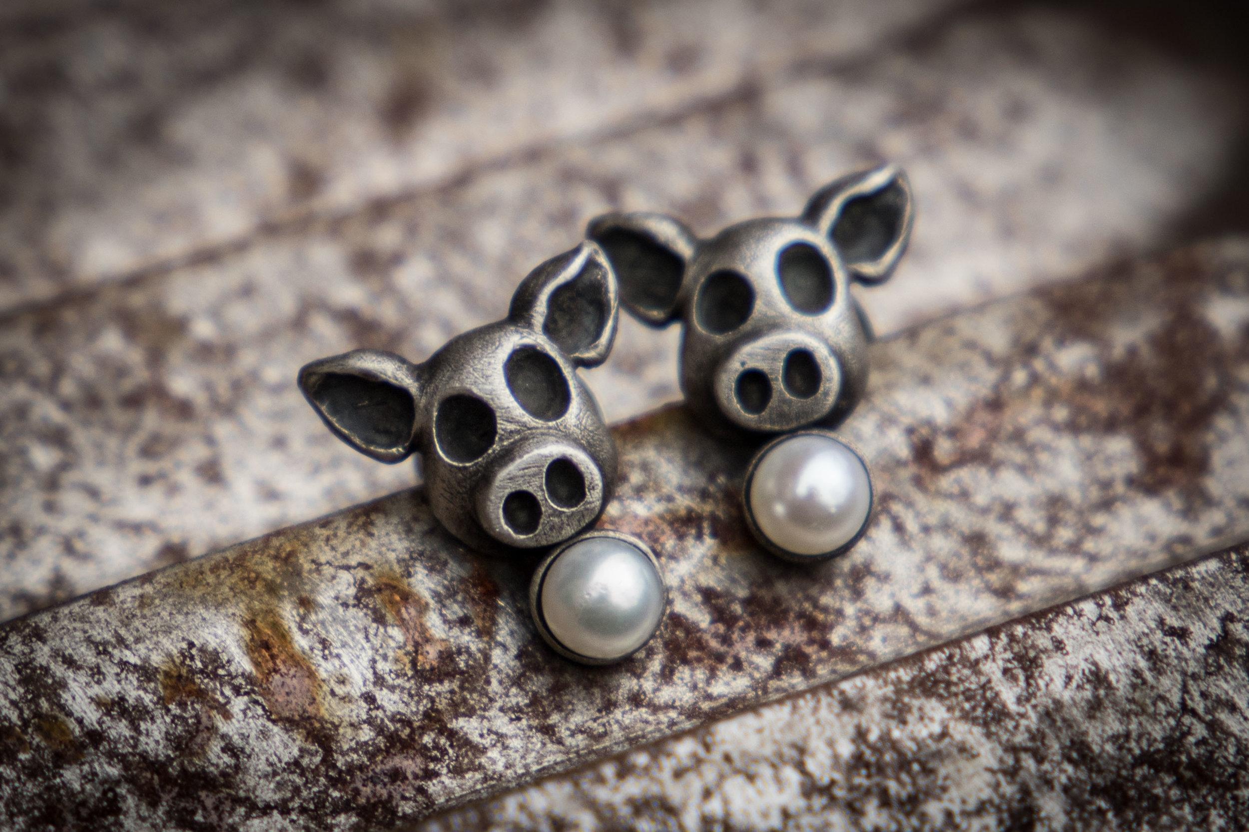 Perlen vor die Säue (Ohrstecker)