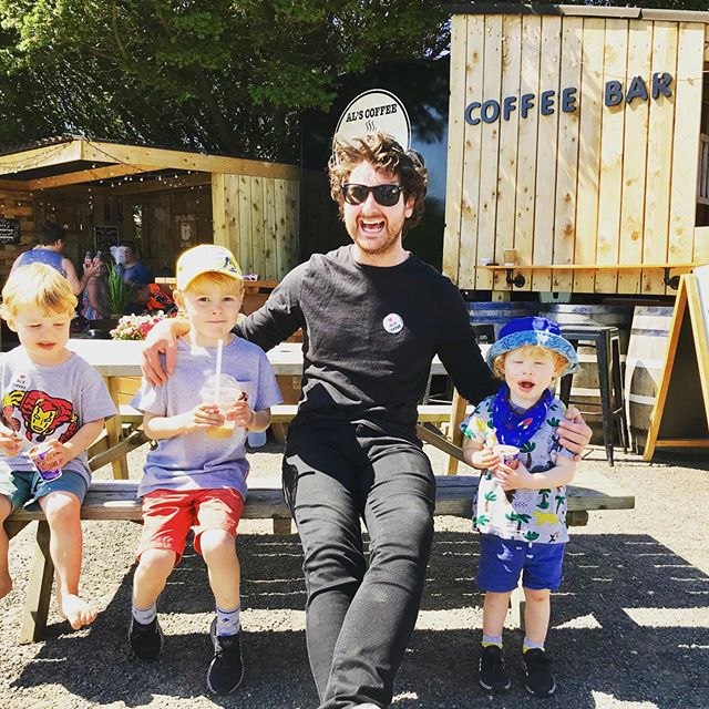 Yes Derry, if your ever up around @downhilldemesnent check out @alscoffee5 Thanks for the salted caramel ice coffees Al they were beut ✌🏼 . . . . #icedcoffee #nationtrust #summervibes #chilledsundays #familytime #alscoffee
