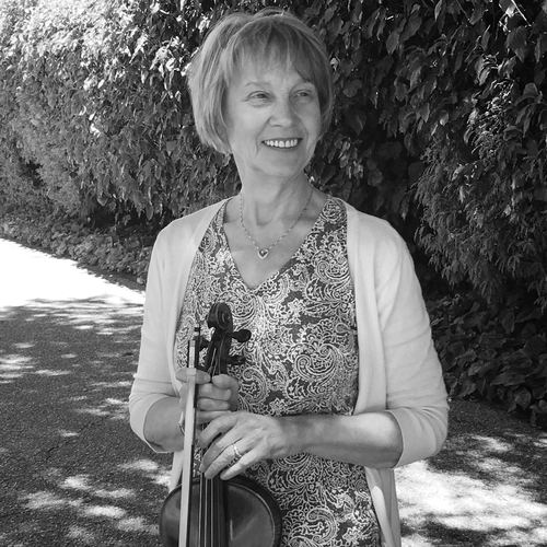 Teacher Olga  received her Bachelor's of Music at the Rimsky-Korsakov College of Music and her MA in Music from the Saint Petersburg Conservatory. She has over 20 years of teaching experience ranging from private lessons instruction to coaching string ensembles & string quartets through the Rachmaninov College of Music. She has served as the principal violist in the Russia Philharmonic for their chamber orchestra and has served as an instructor for the San Francisco Jewish Community Center, the SFCMC Orchestra. Many of her students have become professional musicians, playing and teaching all over the world.