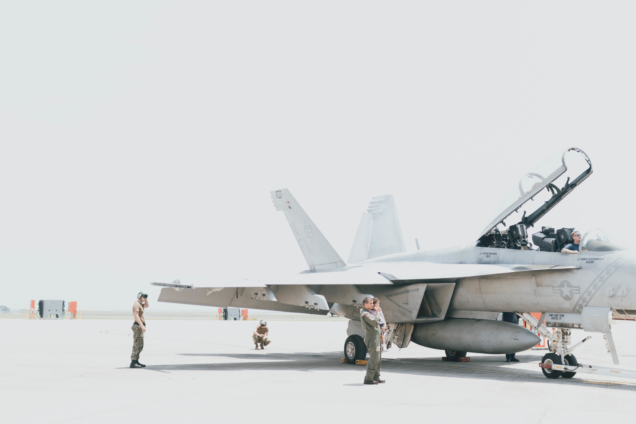 f-18-jet-pilot-homecoming-photos-by-samantha-look.jpg