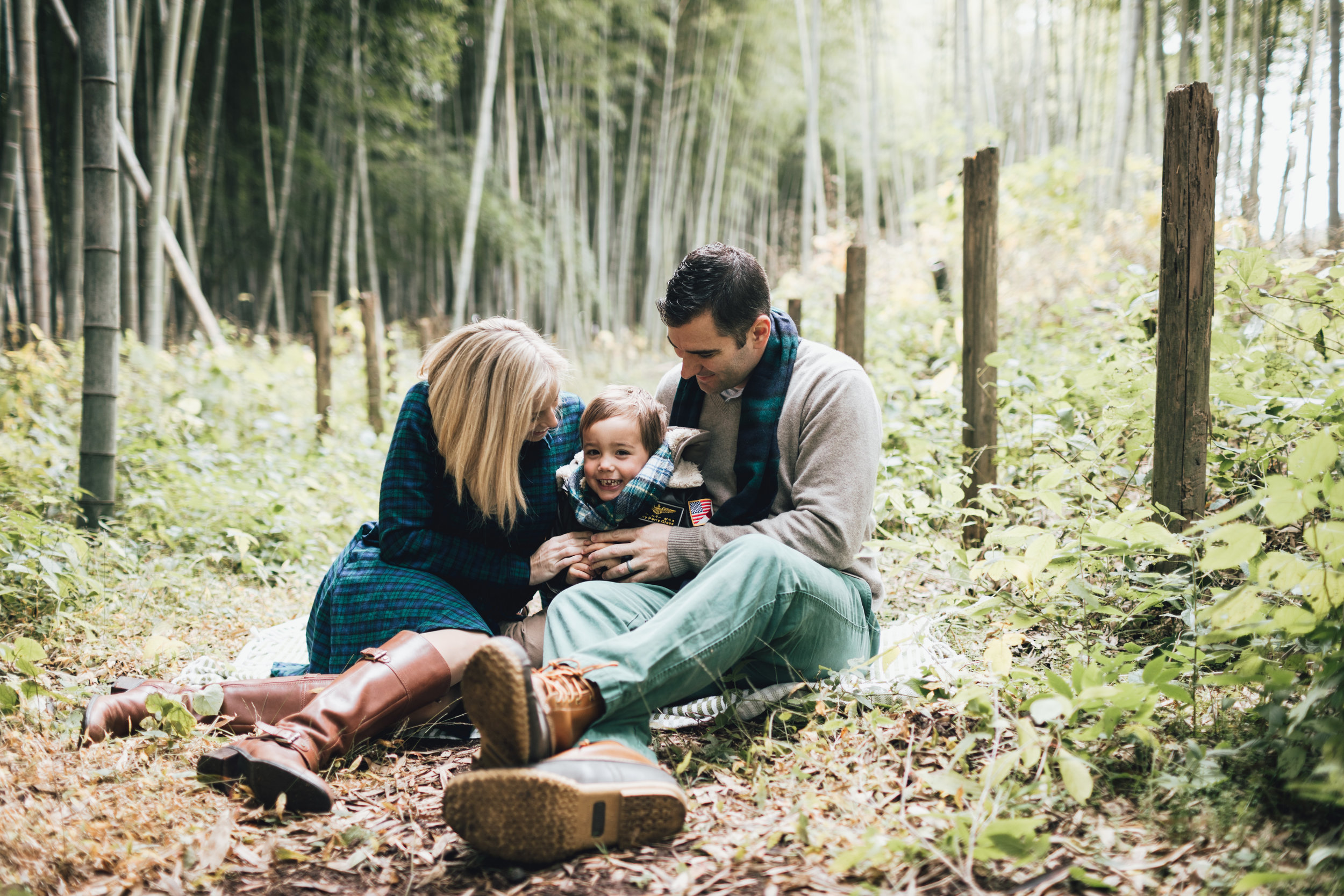 bamboo-family-session-photo-by-samantha-look.jpg