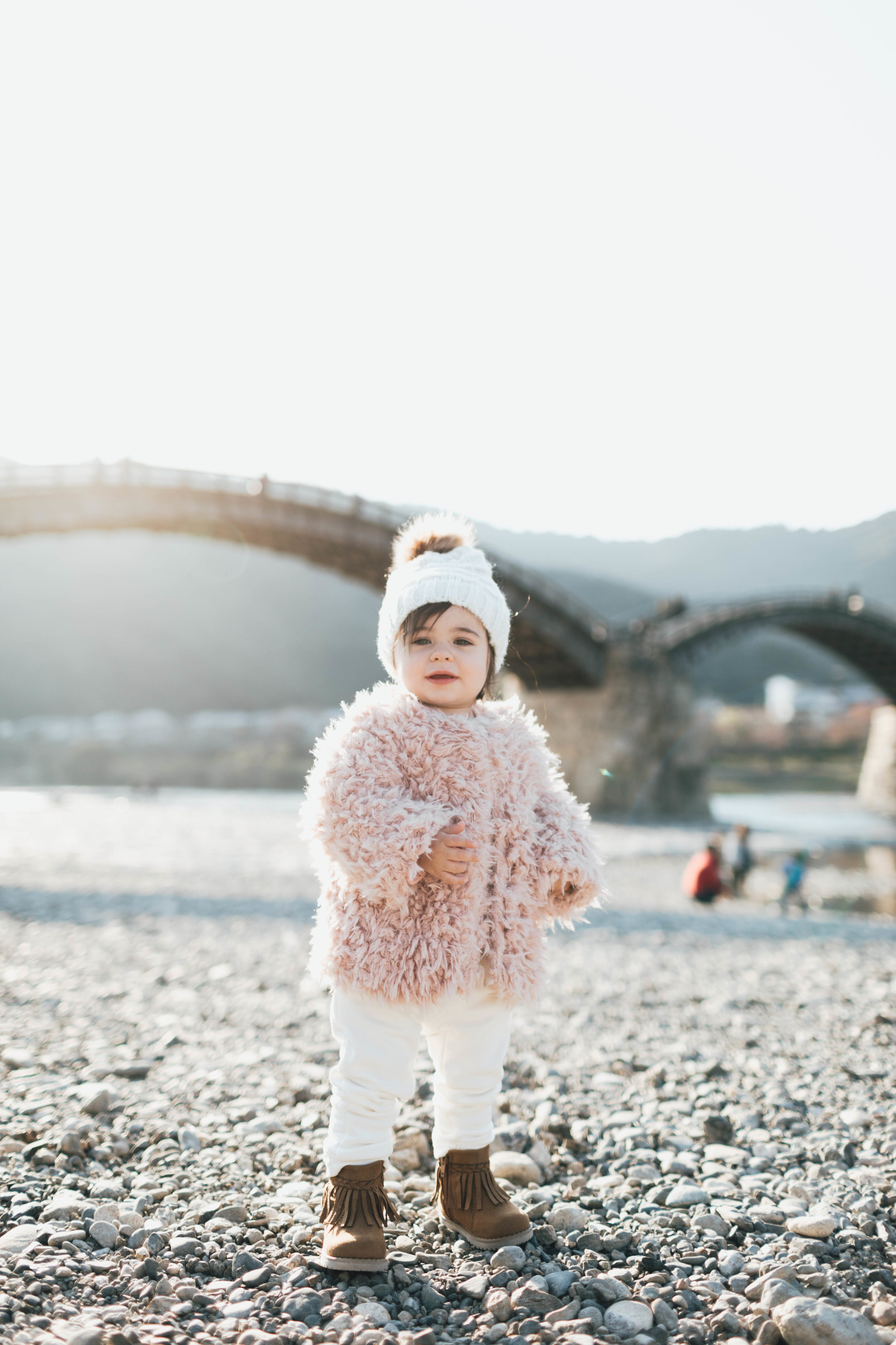 kintai-bridge-family-session-photo-by-samantha-look.jpg