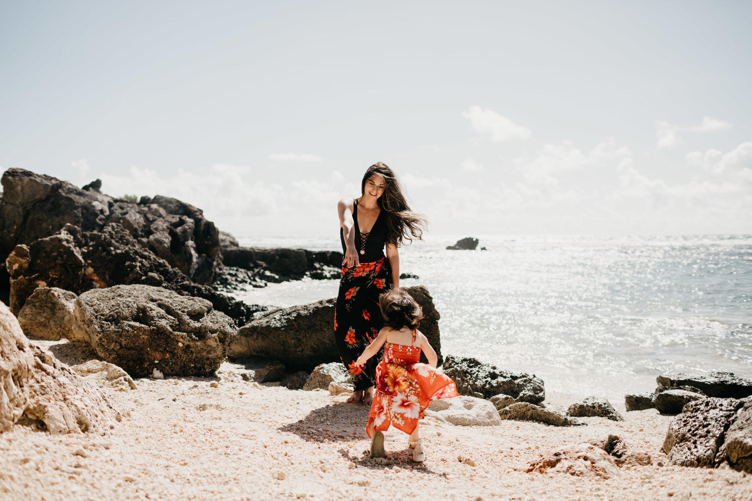mom-baby-beach-session-guam-photos-by-samantha-look.jpg