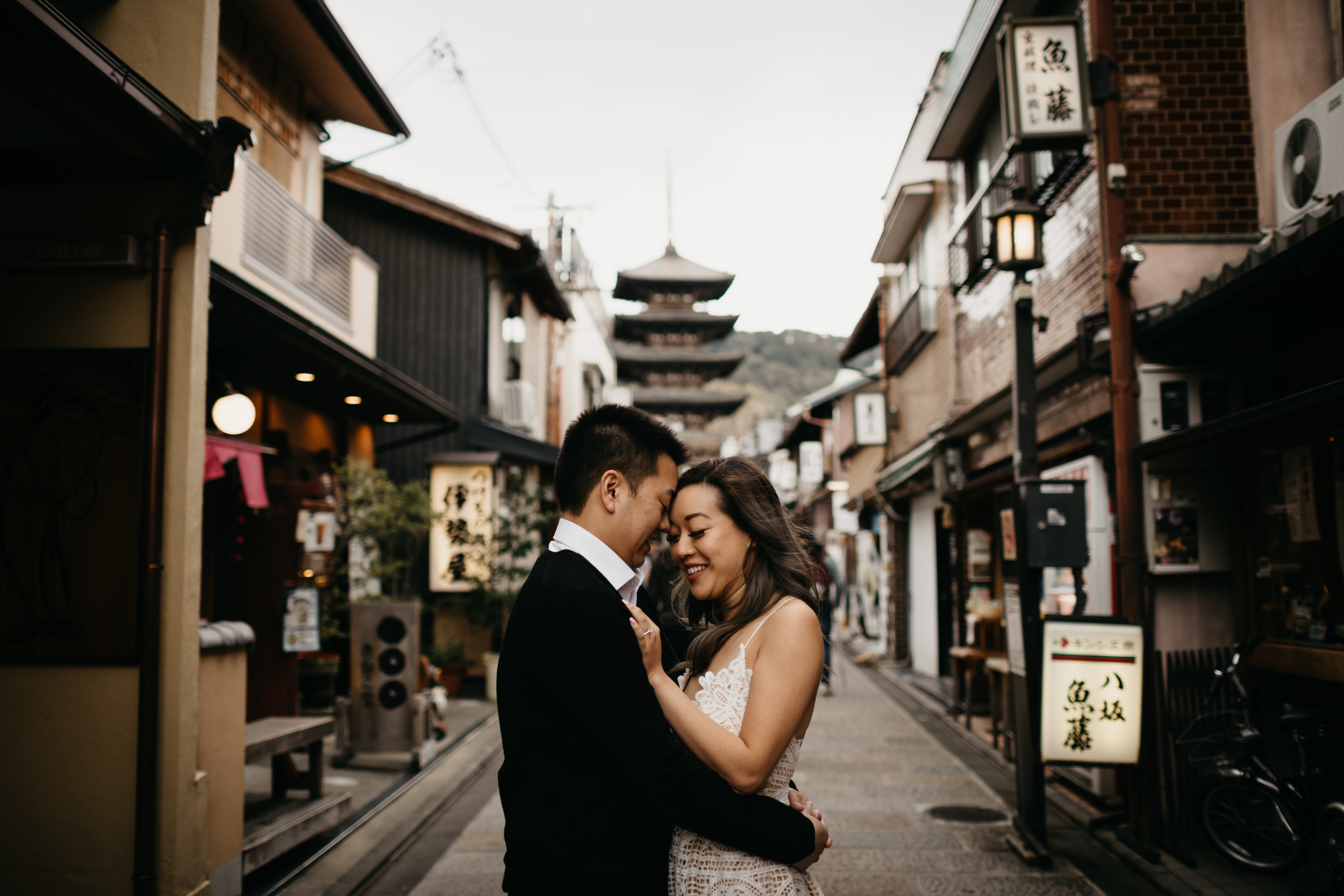Kyoto-Engagement-photo-by-samantha-look.jpg