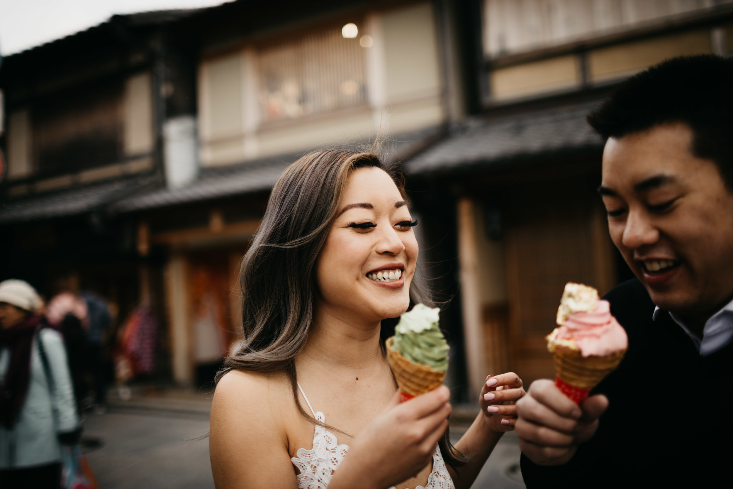 Kyoto-ice-cream-Engagement-photo-by-samantha-look.jpg