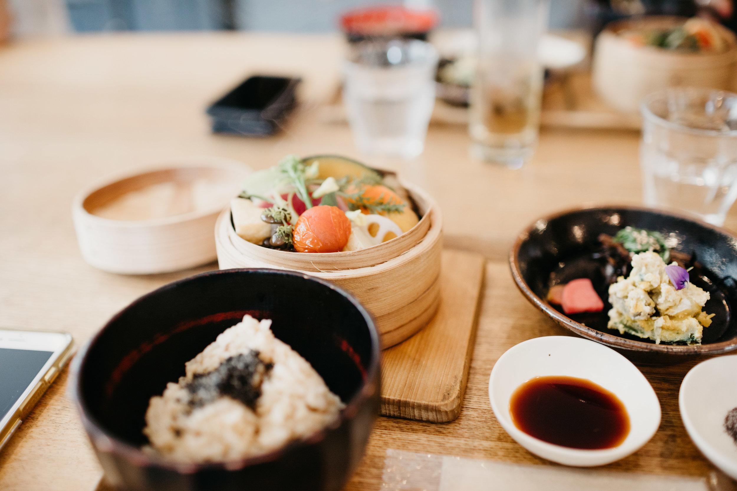 tokyo-street-photo-by-samantha-look.jpg
