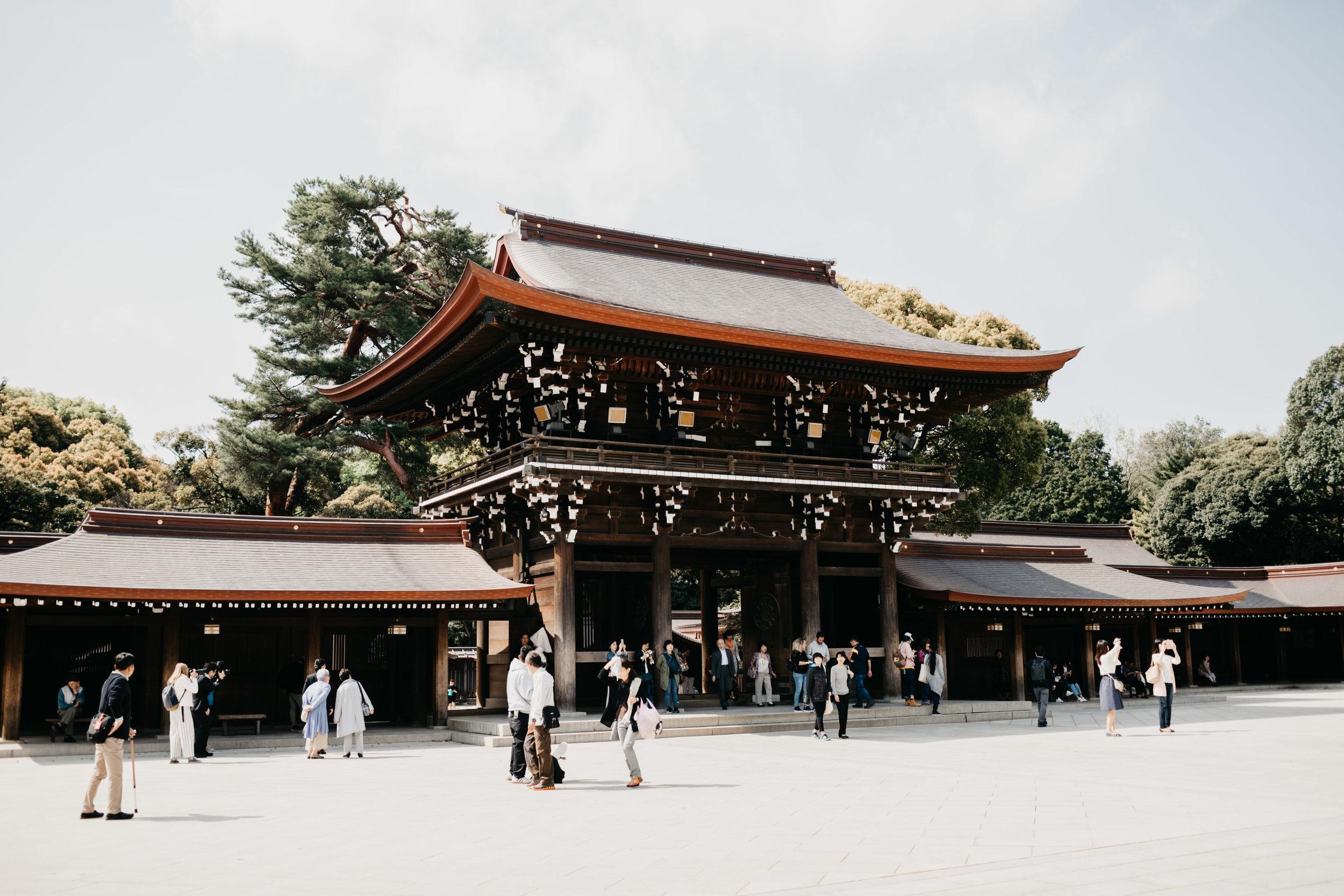 tokyo-meiji-temple-photo-by-samantha-look.jpg