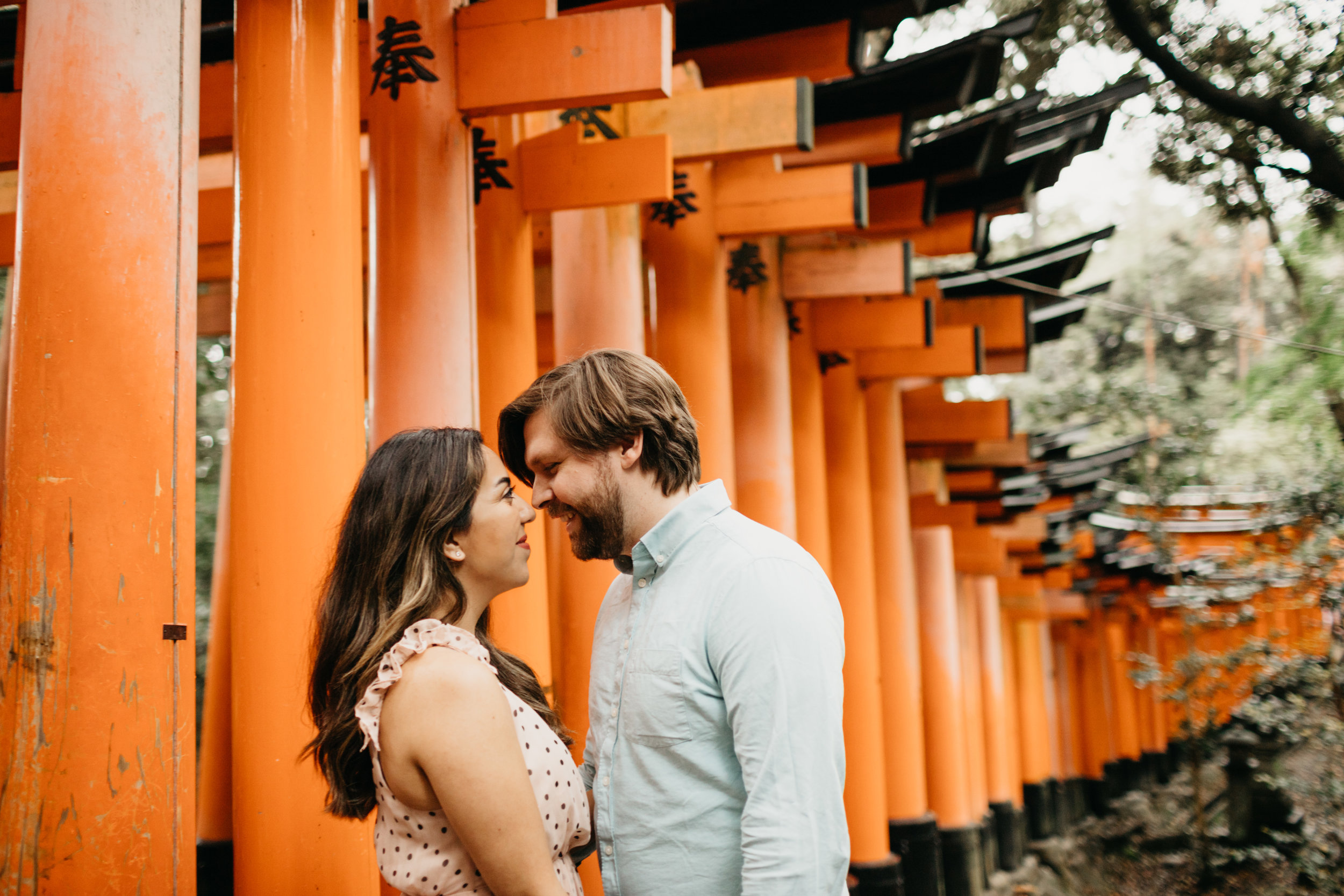 fushimi_inari_shrine_kyoto_couples_session_pictures_by_samantha_look-2.jpg