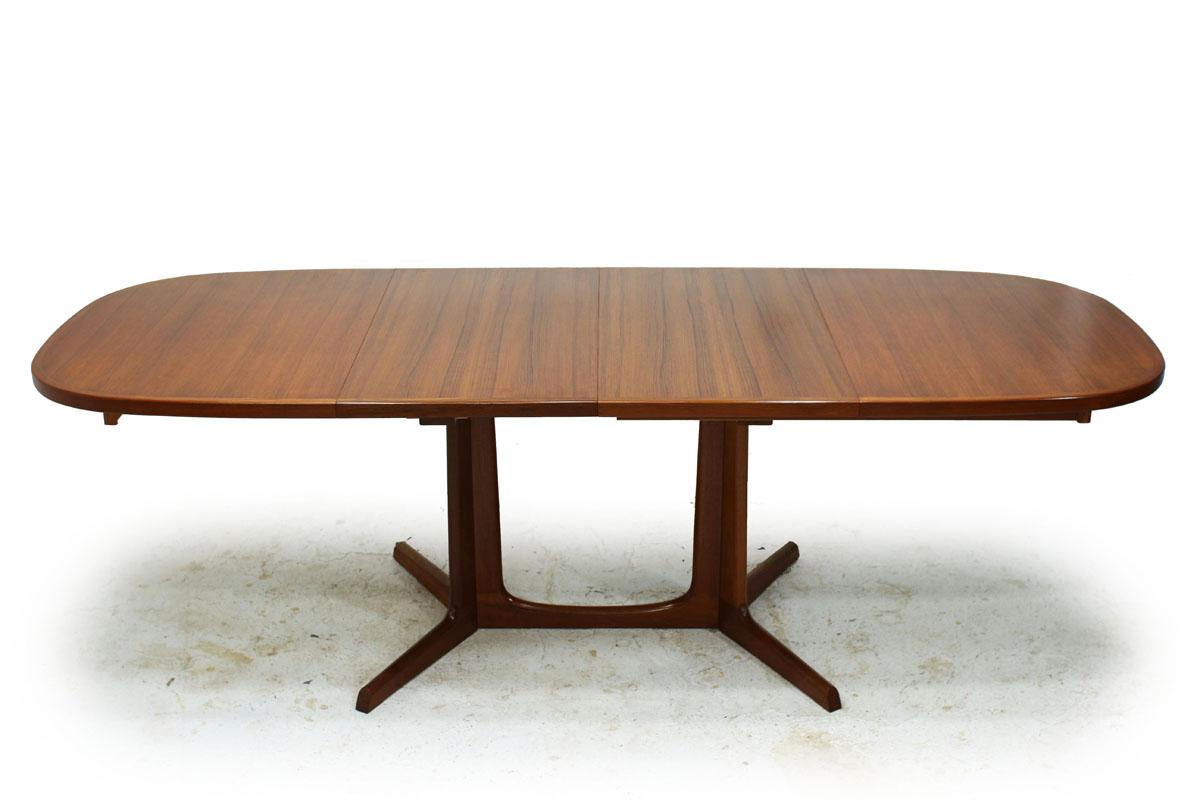 Danish Designer Mid Century Modern Extendable Teak Dining Table Designed by Gudme Mobelfabrik Niels Moller