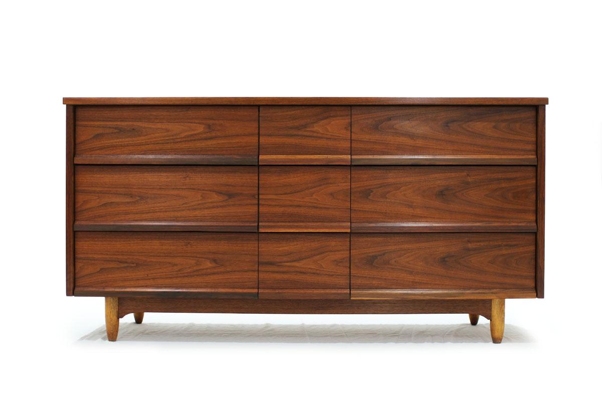 Canadian Walnut wood MCM 9 Drawer Dresser Pepplers