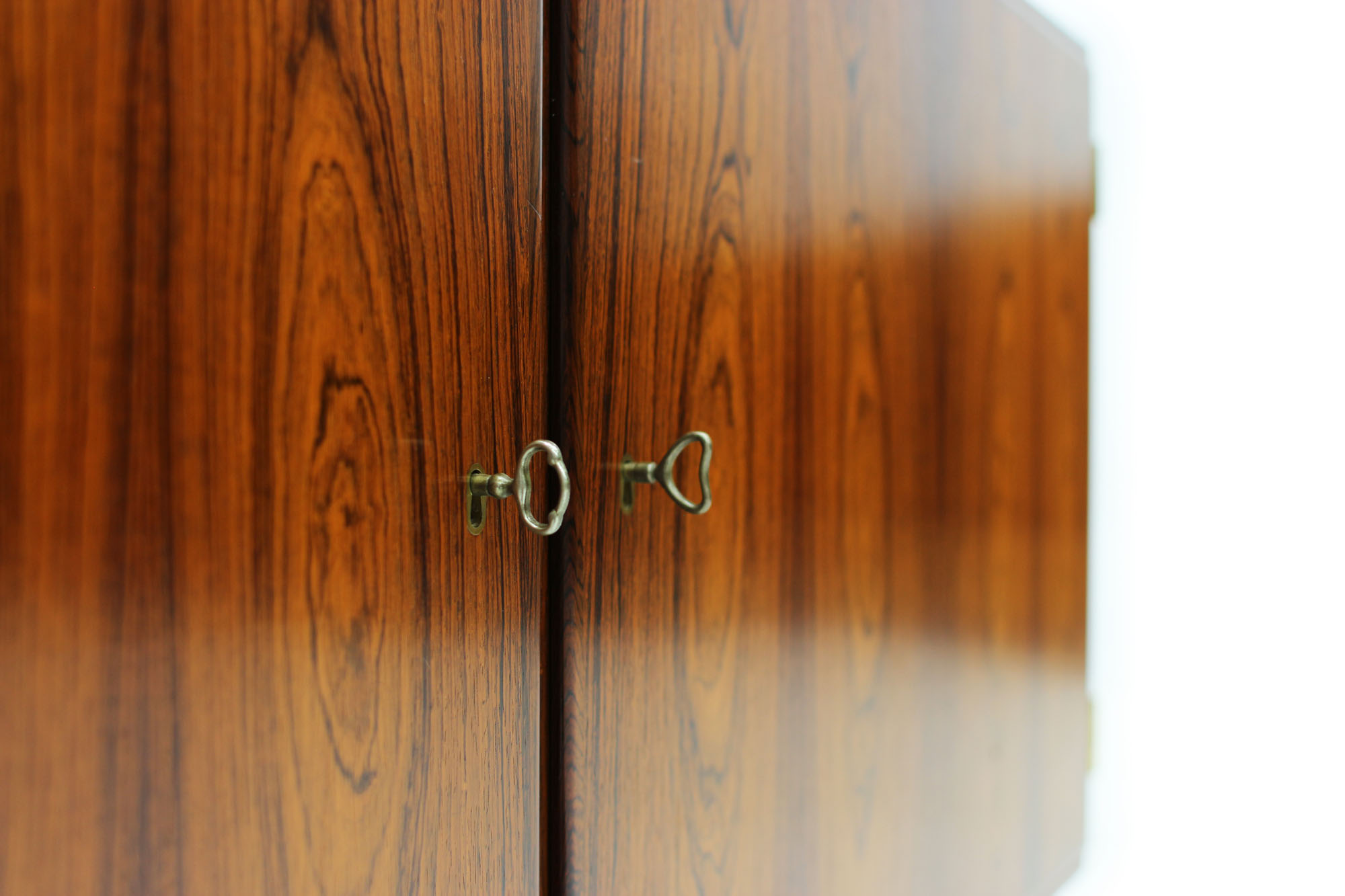 Danish Poul Hundevad cabinet with pull out drawer original keys in Rosewood (4).jpg