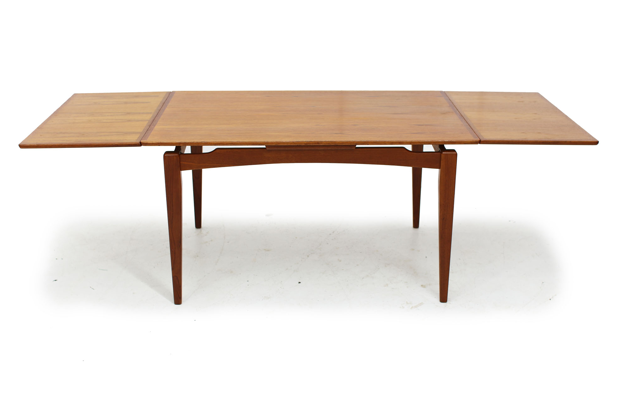 Mid Century Modern Teak Dining Table (4).jpg