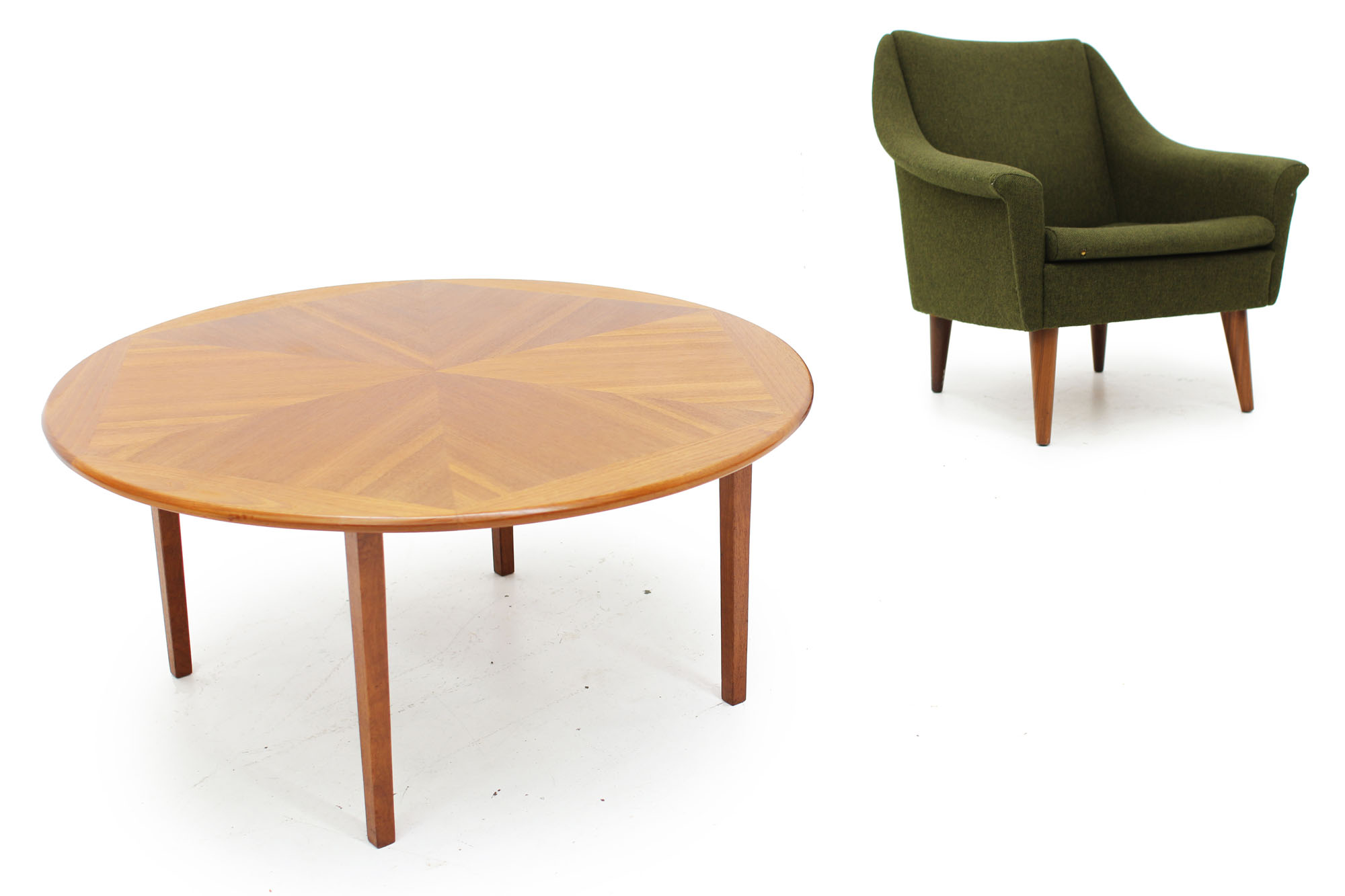 Mid Mod Green Lounge Chair and Round Starburst Coffee table (7).jpg
