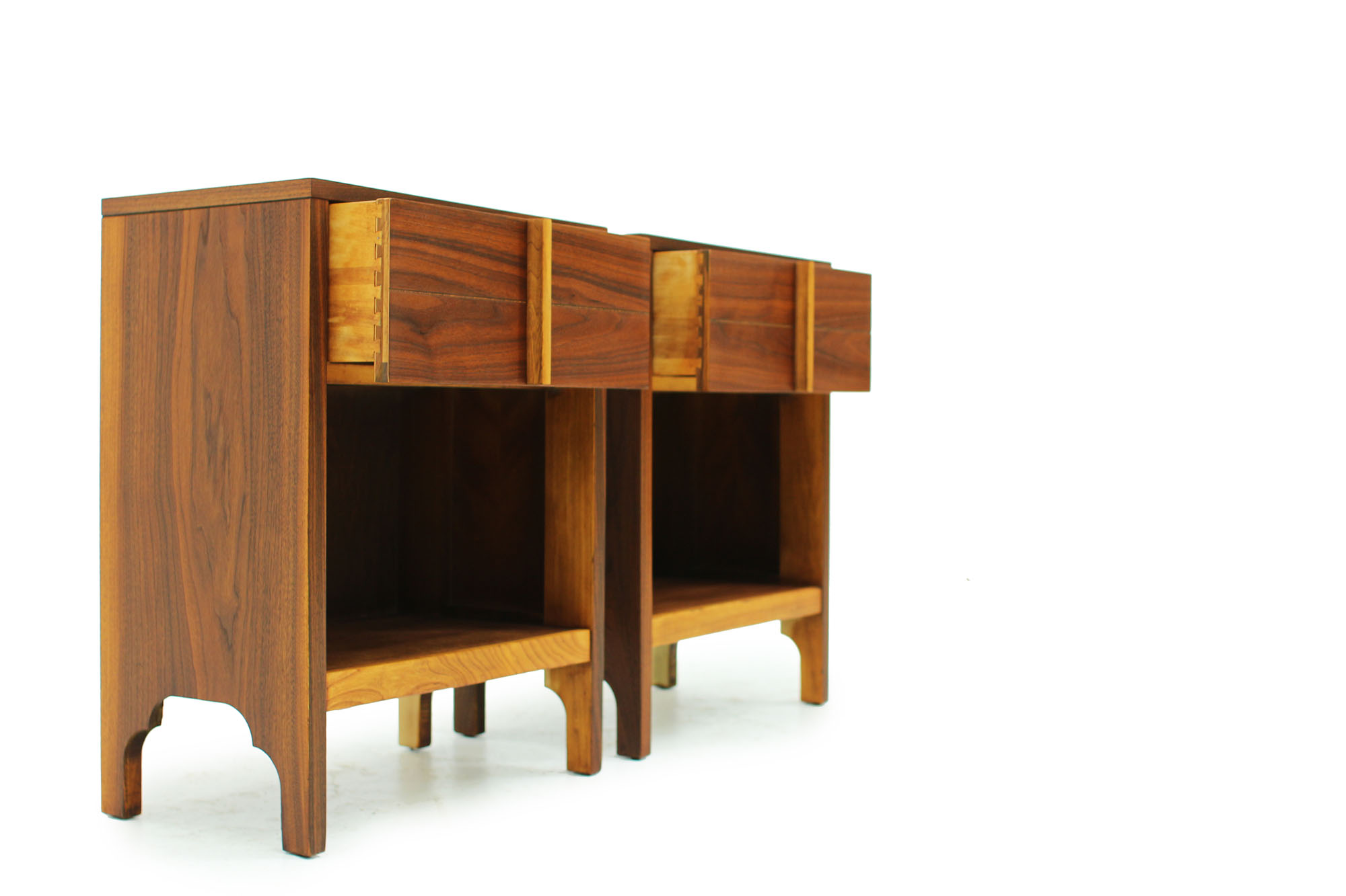 Pair of Walnut Bedside Night Stands Mid century modern design (2).jpg