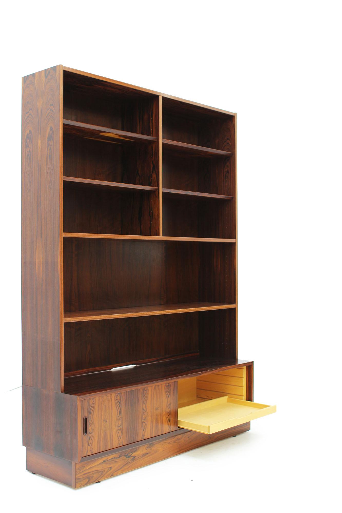 Poul Hundevad Rosewood Bookcase Made in Denmark (3).jpg