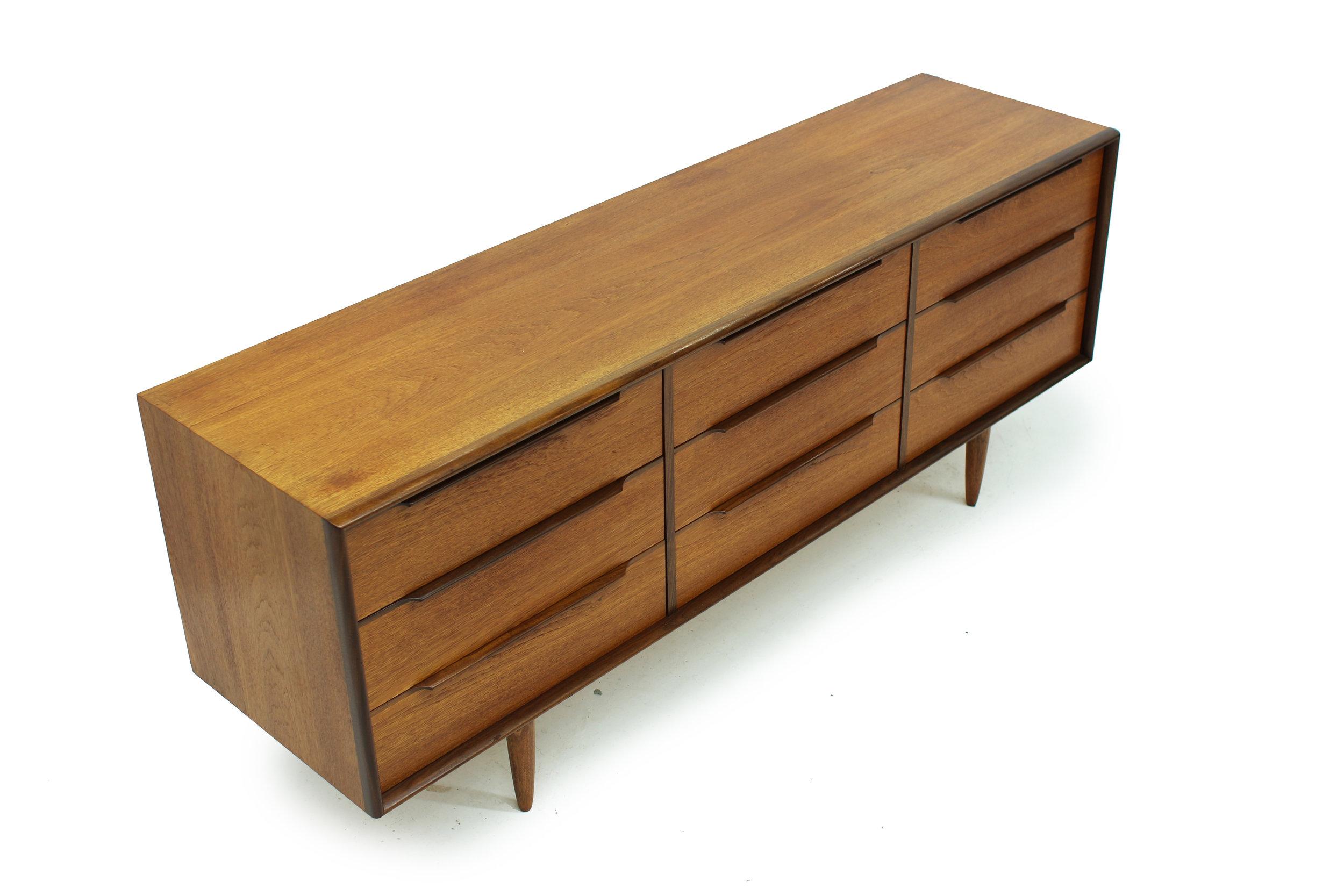 Mid Century Teak Nine Drawer Low Dresser (2).jpg