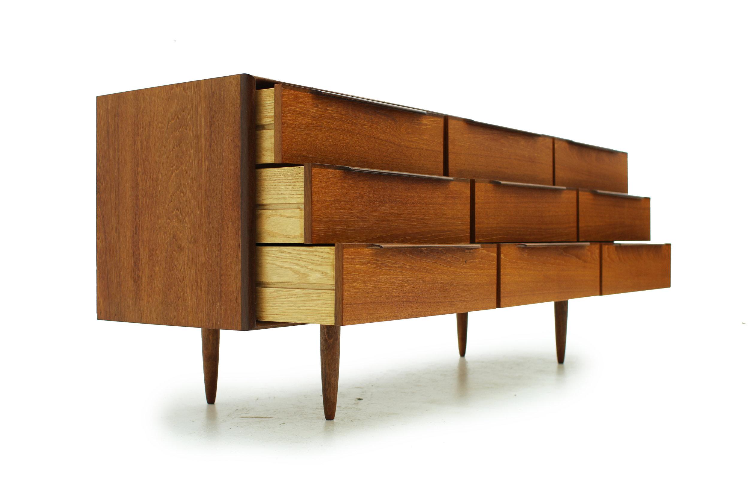 Mid Century Teak Nine Drawer Low Dresser (3).jpg