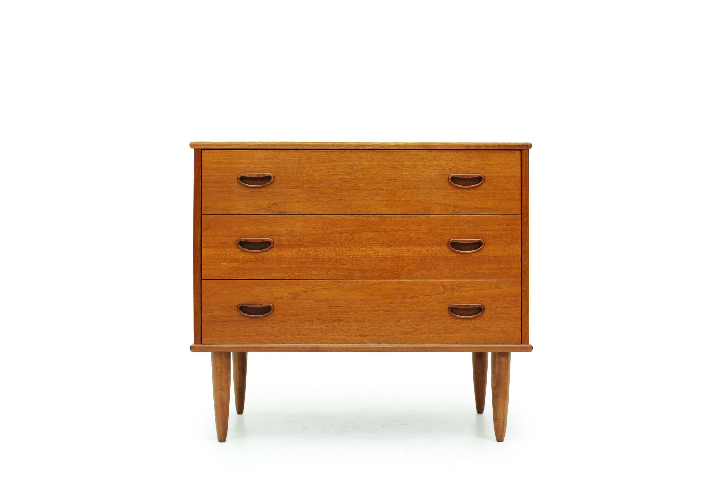 Vintage Three Drawer Bedside Dresser (1).jpg
