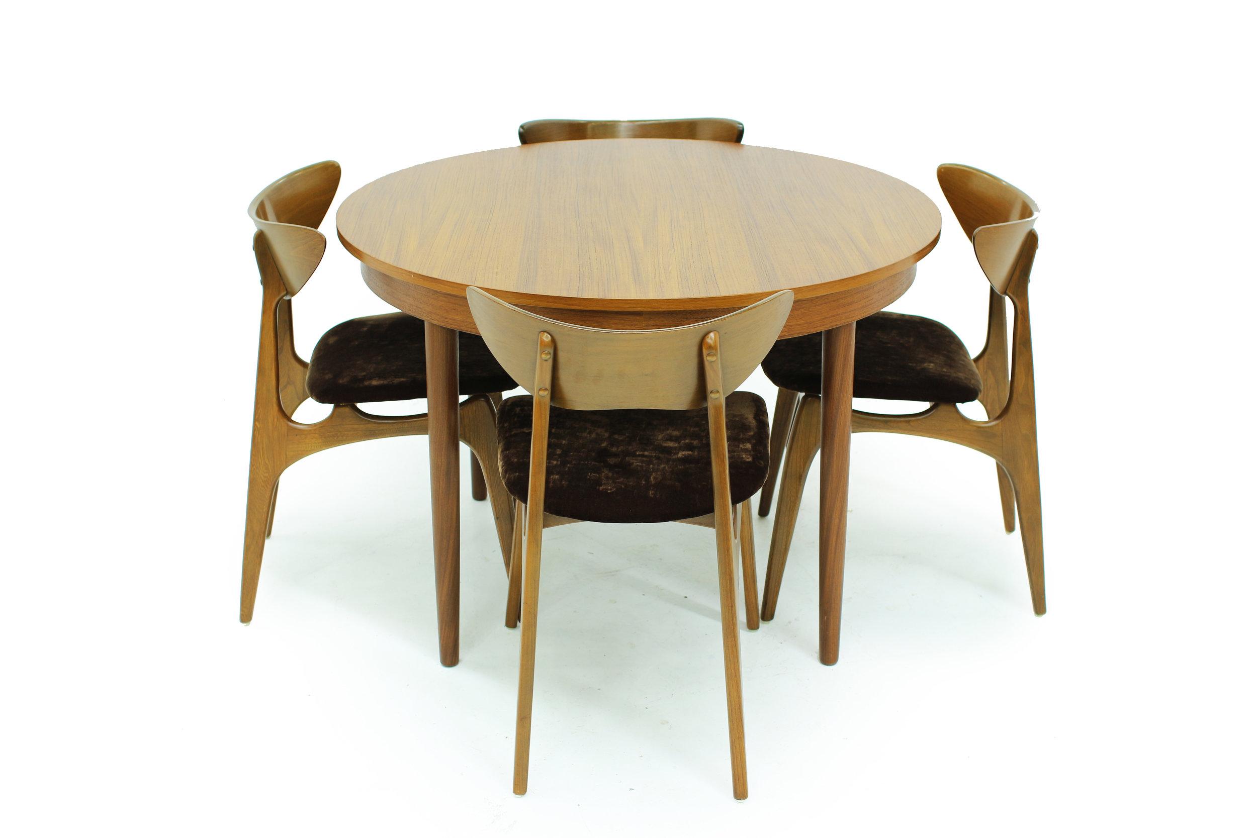 MCM Round Teak Dining Table Made in Denmark(2).jpg