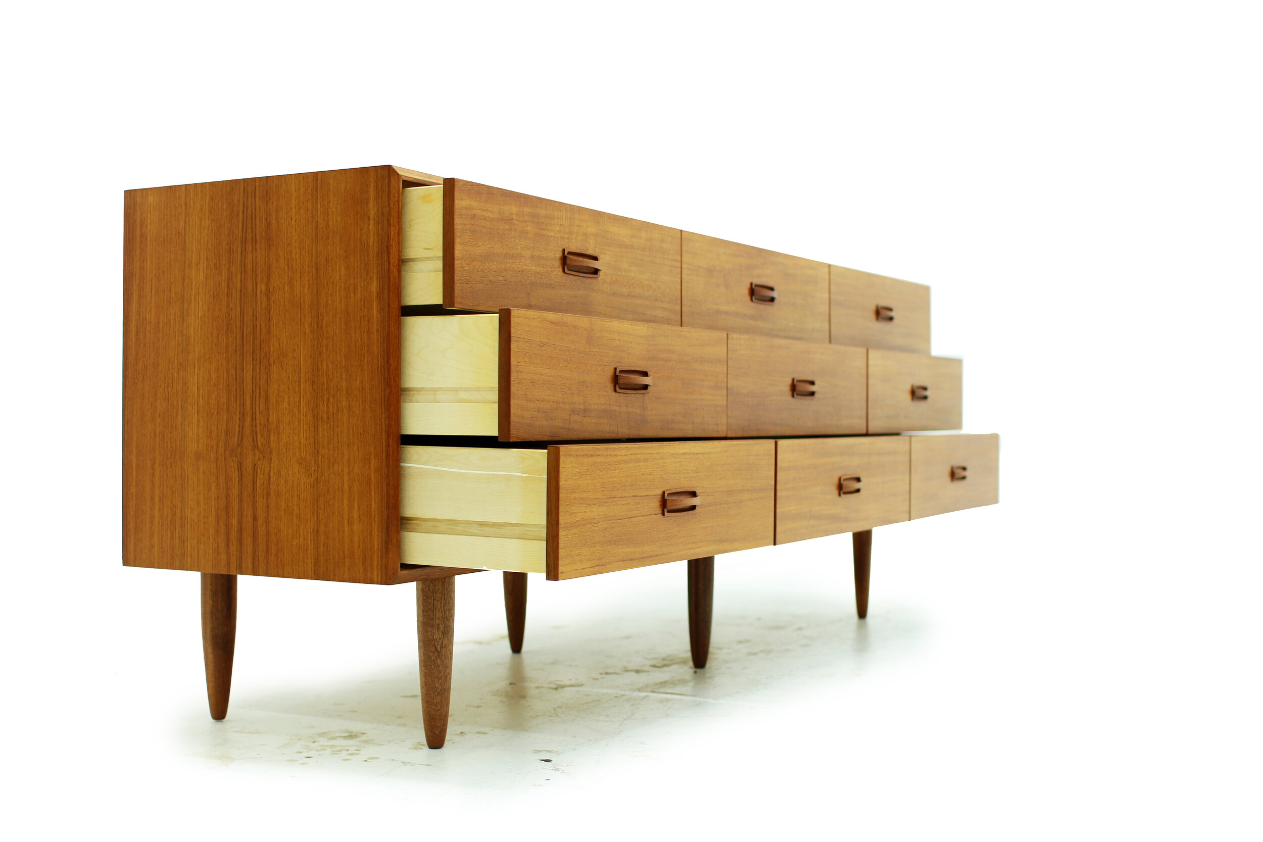 Mid Century Modern Teak 9 Drawer Dresser  (3).jpg