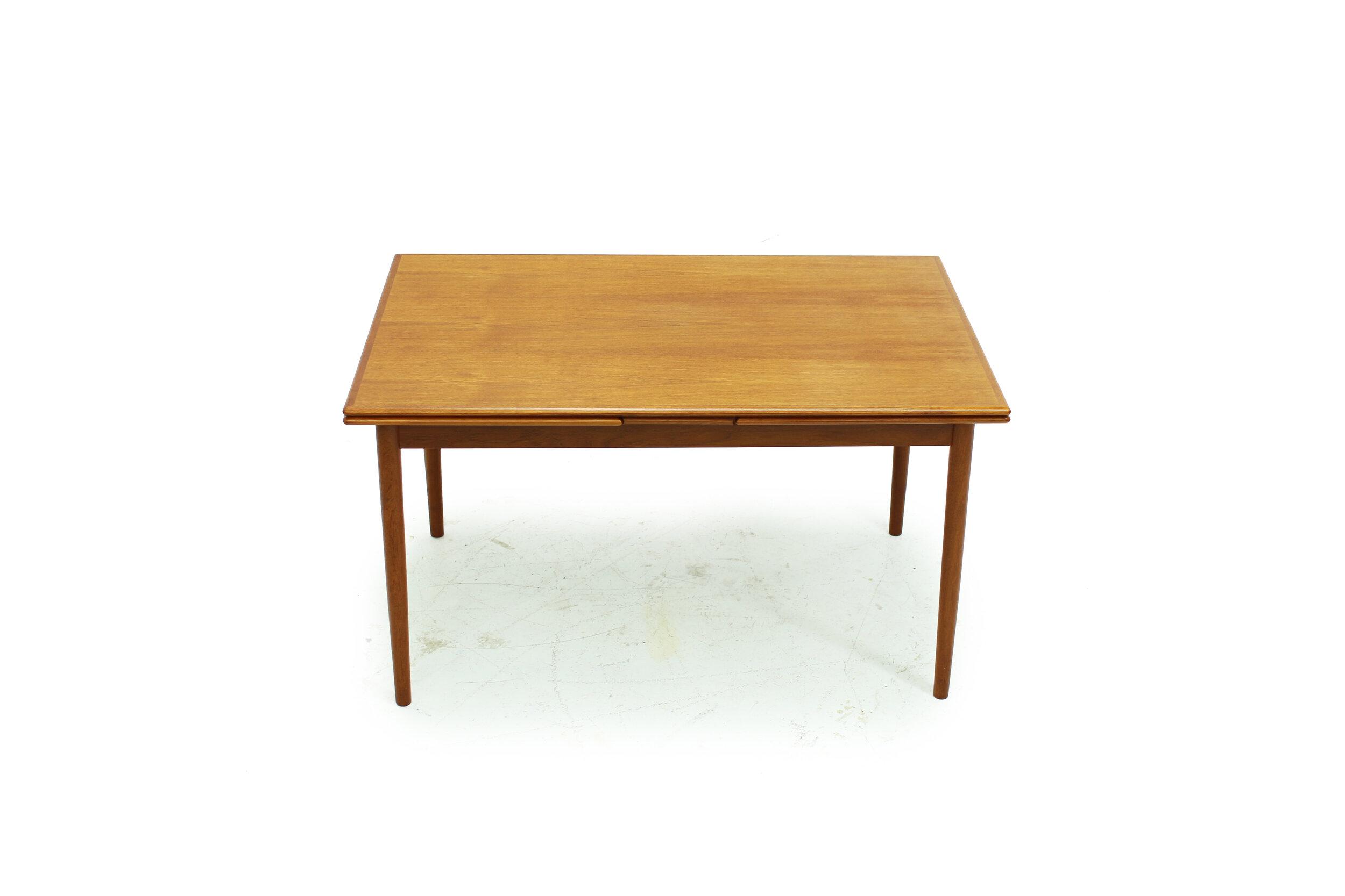 Mid Century Teak Draw Leaf Dining Table (4).jpg