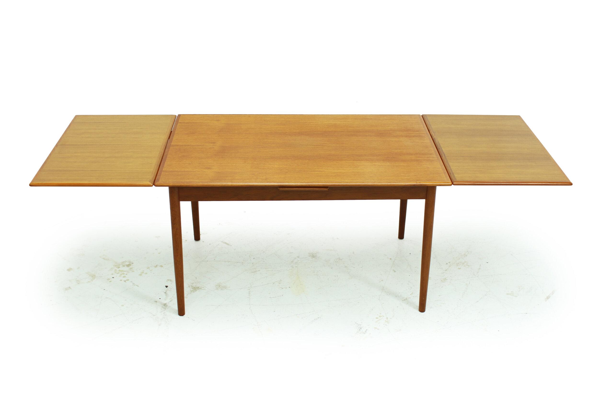 Mid Century Teak Draw Leaf Dining Table (1).jpg