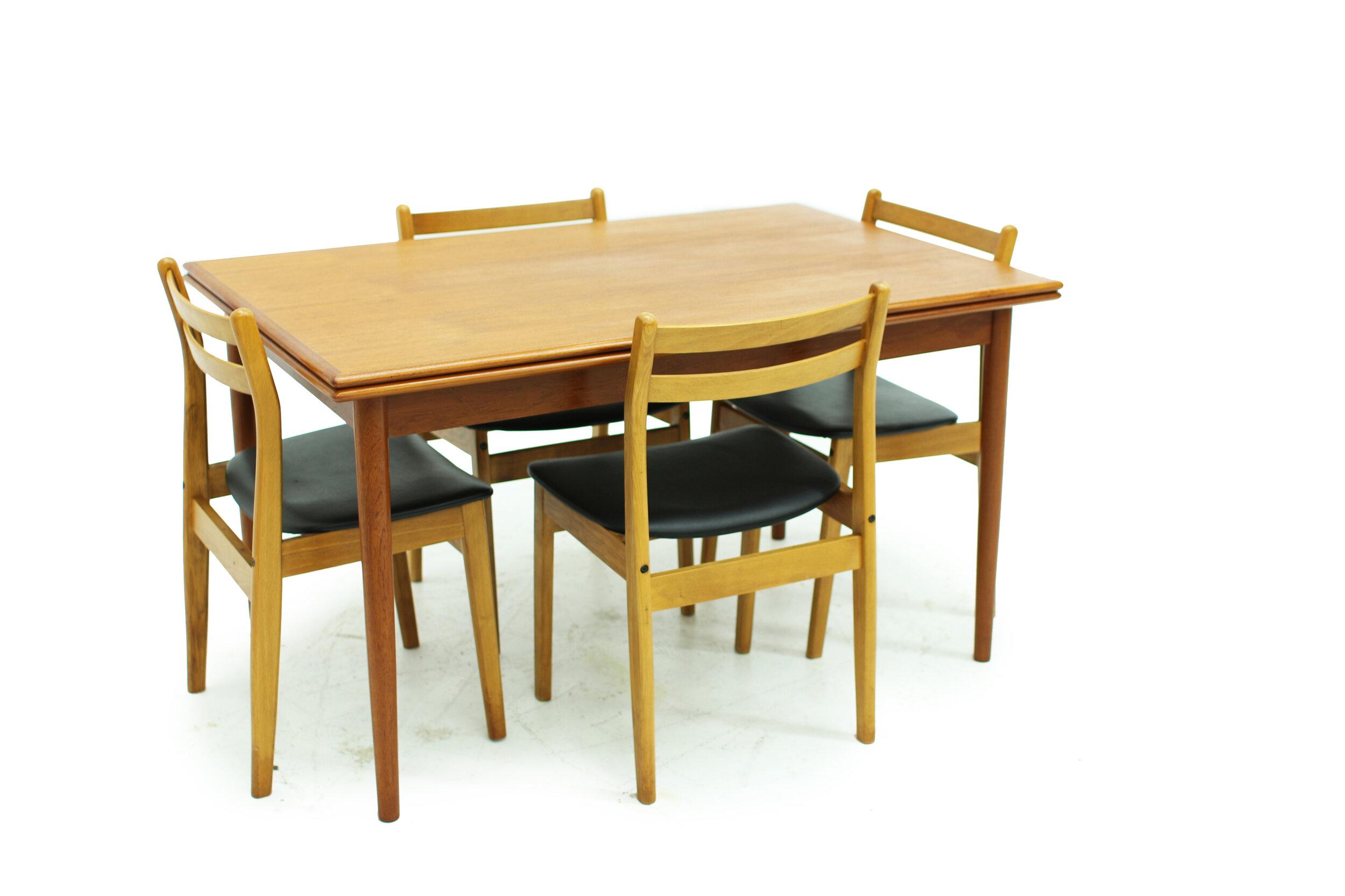 Mid Century Teak Draw Leaf Dining Table (3).jpg