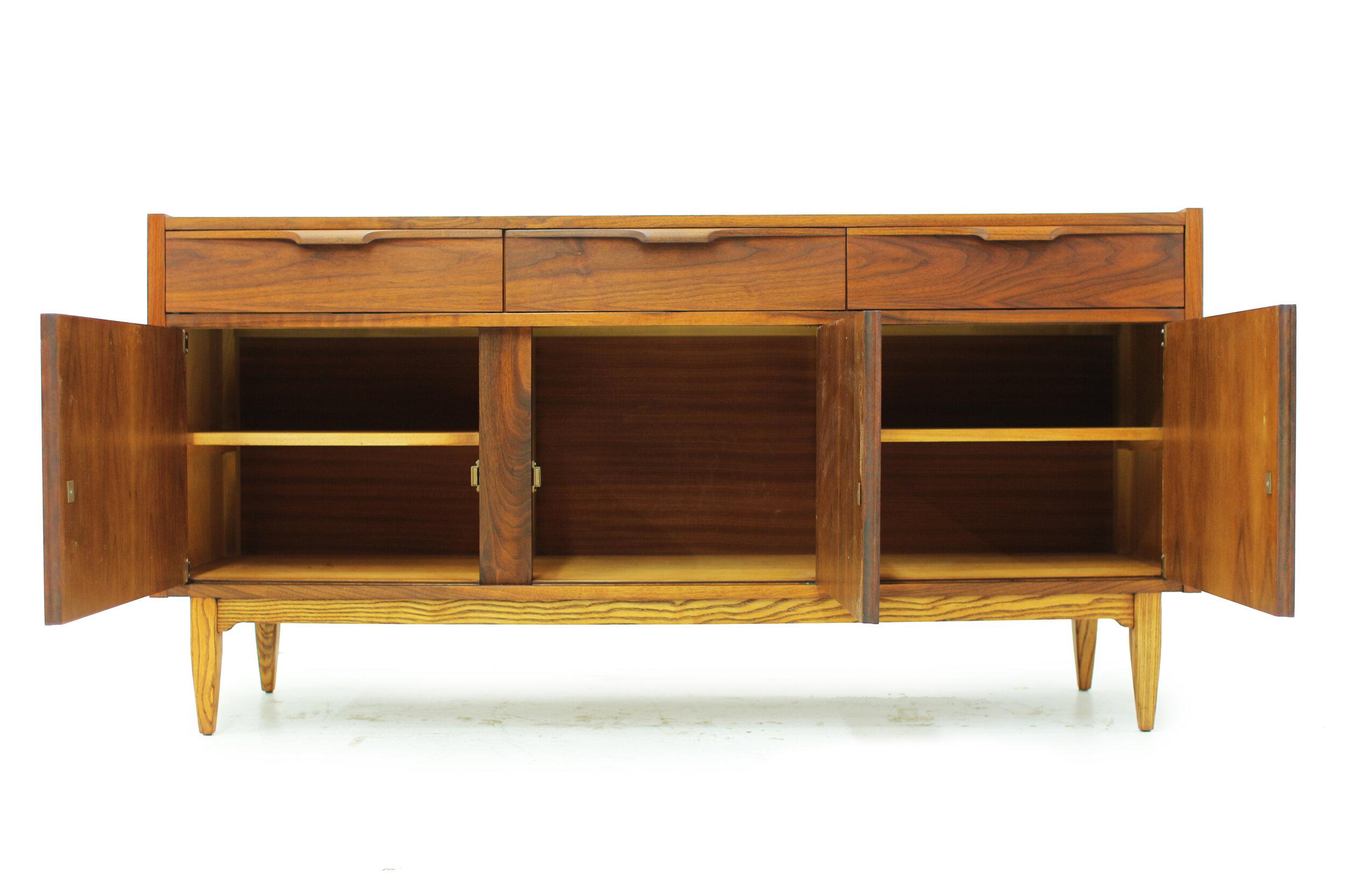 Mid Century Walnut Sideboard (6).jpg