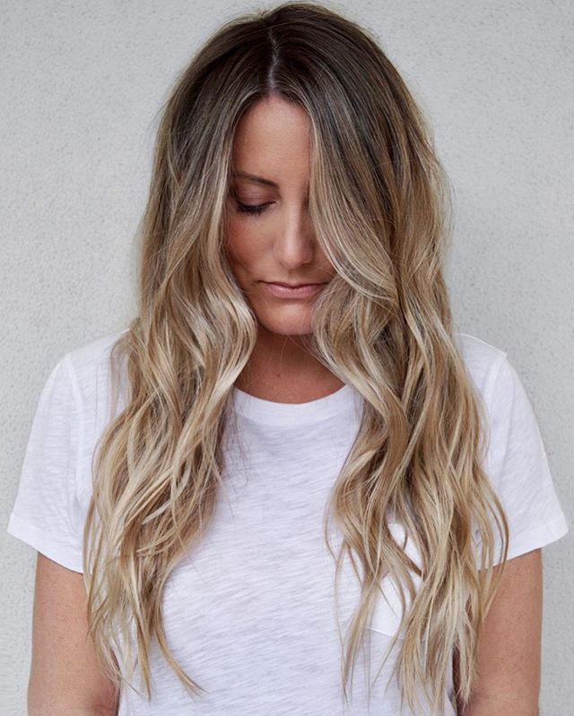 Lived in blonde ✨✨ ⠀ Babylights + teasy light + colormelt combo, to create this beauty 😍 .⠀ .⠀ .⠀ #colormelt @redken #shadeseq 05n, all over gloss 09p/09v 🙌 one of my favorite blonde mix 😉 ⠀ .⠀ .⠀ .⠀ #kettehair #kimjettehair #brunettehair #livedincolor #livedinhair #btcquickie #btcpics #winterpark #bestblonde  #orlandoblondes #bestombreorlando #orlandosalon #babylightsorlando #orlandoblondespecialist #orlando #orlandoblondes #babyblonde #hairgoals #livedincolororlando #livedinhairorlando #hairinspiriation #licensedtocreate #blondespecialist #americansalon #maneaddicts