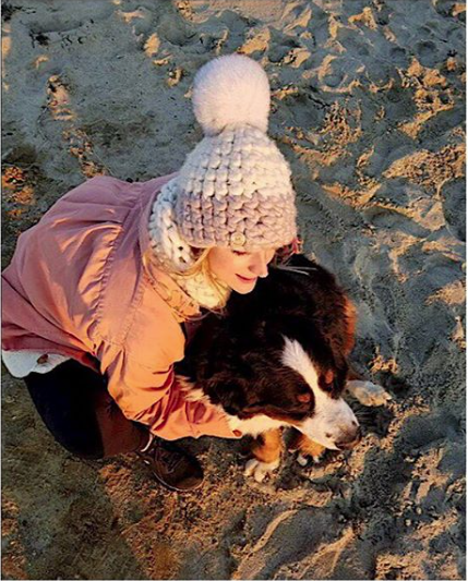 pewter + fawn deep beanie color block • white xl pom