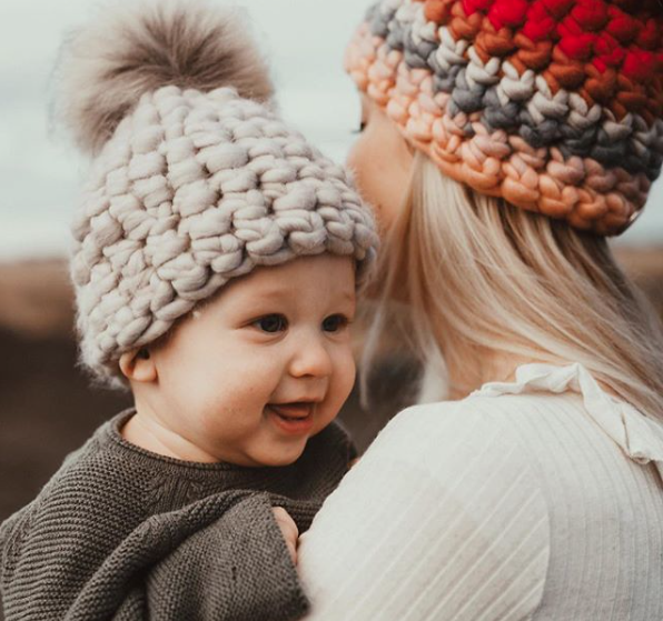 toddler pewter beanie pomster • taupe xl pom