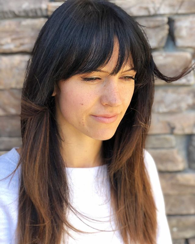 It's amazing how bangs can change up your WHOLE look! Joy is seriously one of the sweetest people I've ever met and I just loved giving her look an update with these bangs and some textured layers in the front! Feels so fresh and so clean clean! . . . . . . . #bohobangs  #curtainbangs  #chocolatebrownhair  #rocklinhair  #rocklinhairstylist