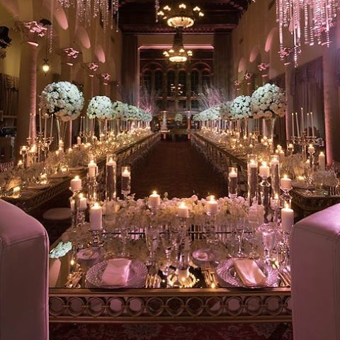 Who wouldn't want this for their wedding view?! Loving the photos by @malomanstudios of this gorgeous @biltmorehotel with @eventsbyfrancesca! #whitewedding #eventdesign #floraldesign #flowers #centerpiece #tablescape #miamiweddings #petalproductions