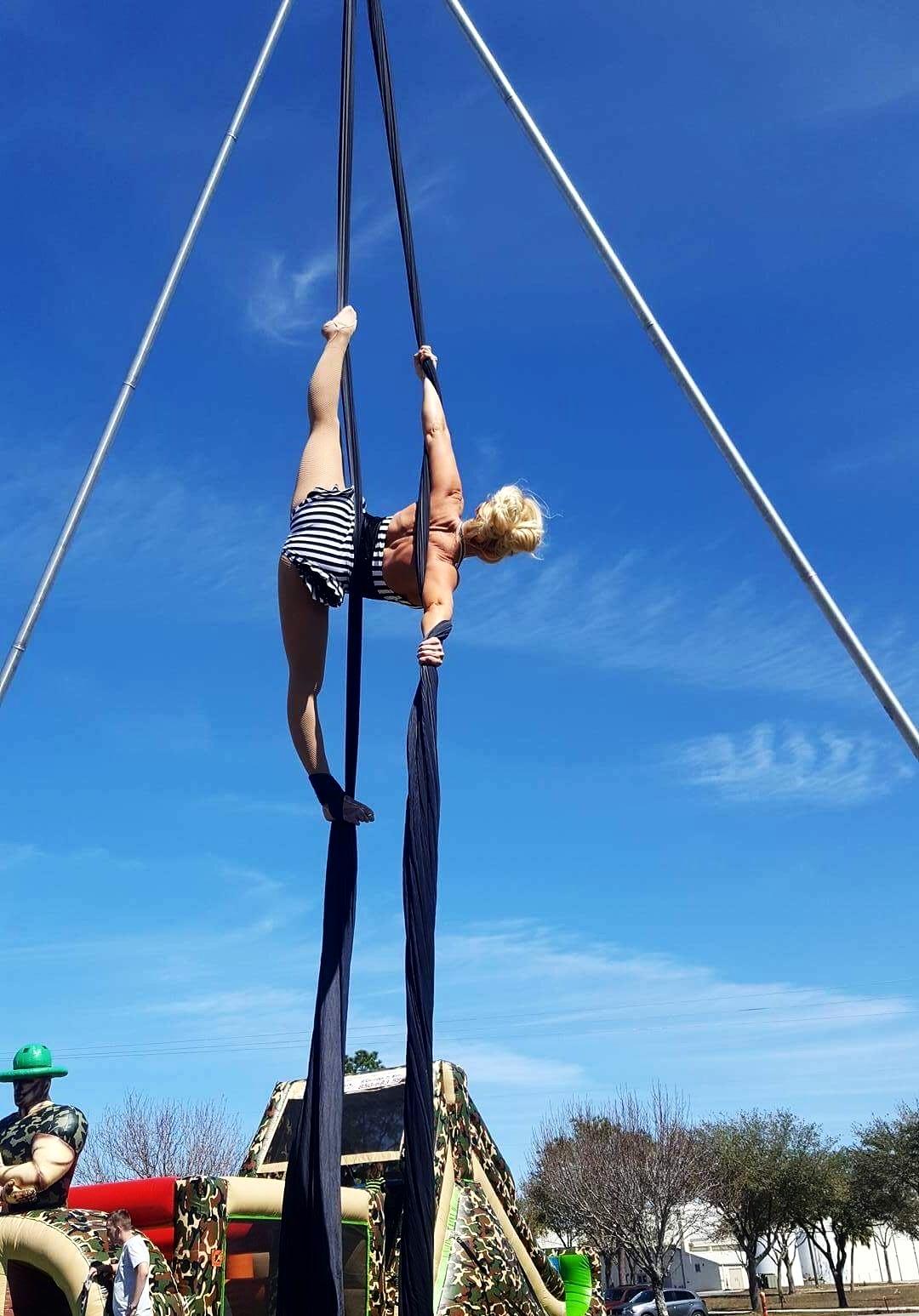 Destin Aerial Events Fabric Silks Tissu Entertainment