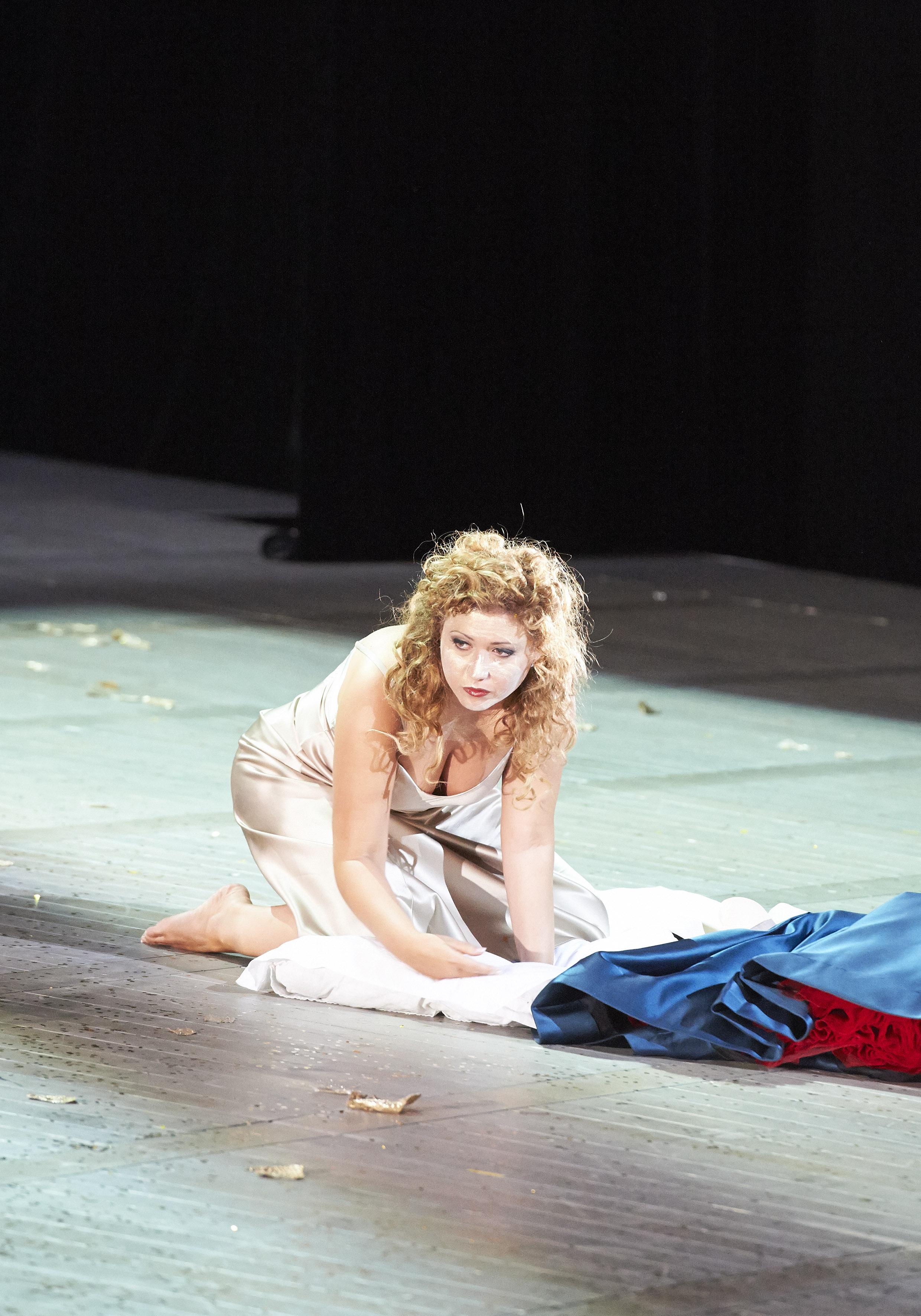 La_Traviata_54196[1].jpg
