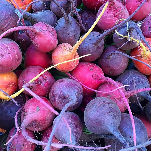 This morning's walk in the farmers market Santa Fe, #nm. Legit #beets and some great products coming to #altabajamarket soon! 💗👍😍