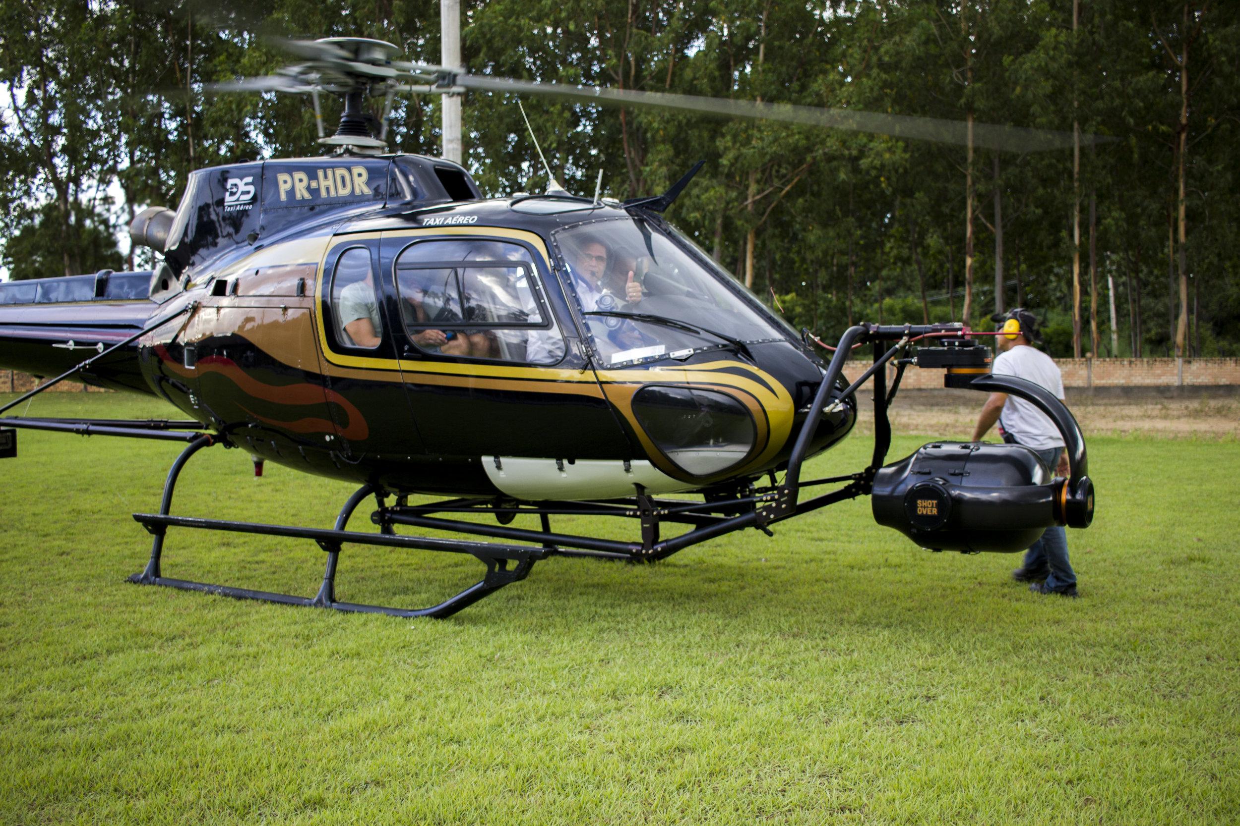Helicóptero especial utilizado na filmagem.