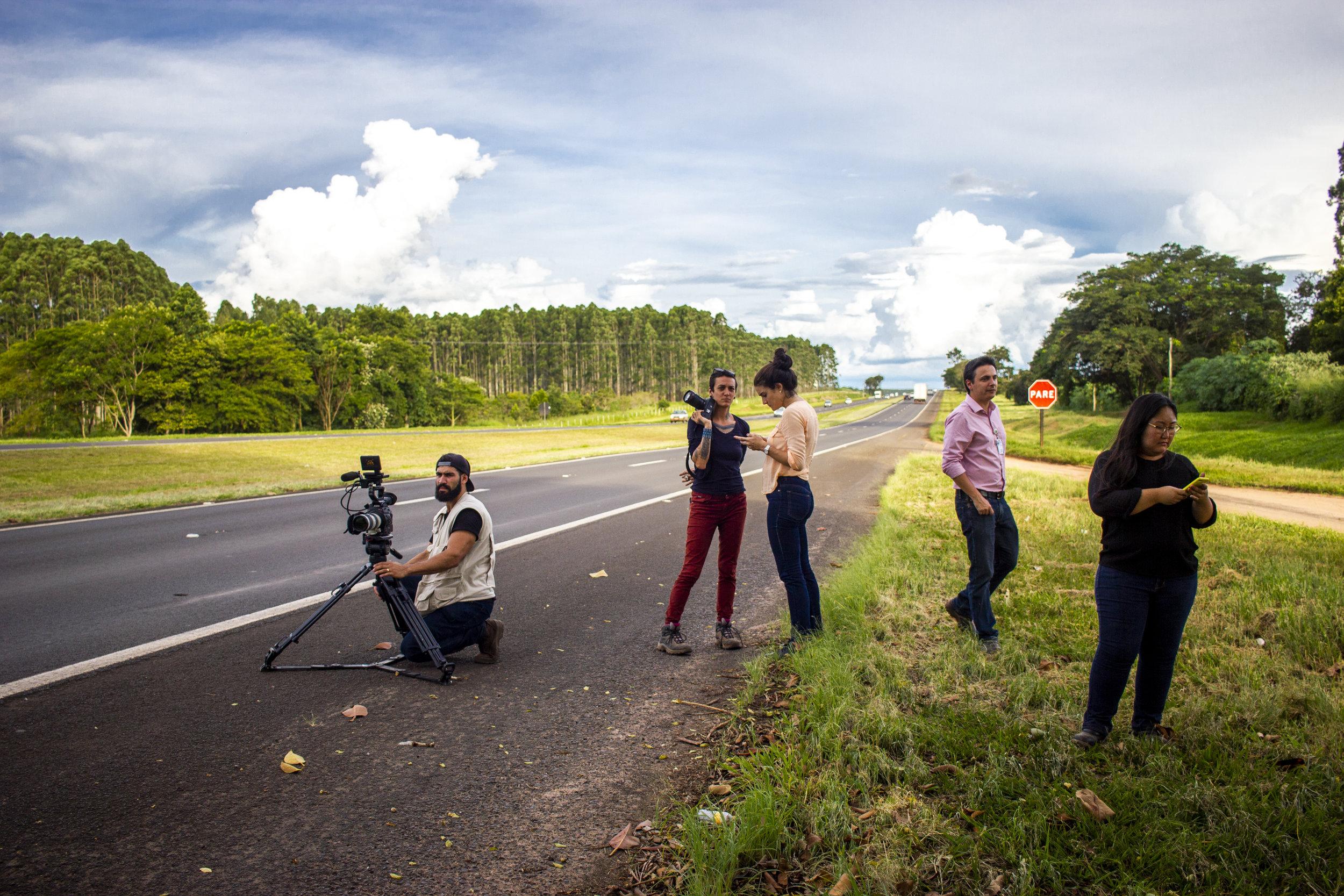 Filmando carros e caminhões nas rodovias paulistas