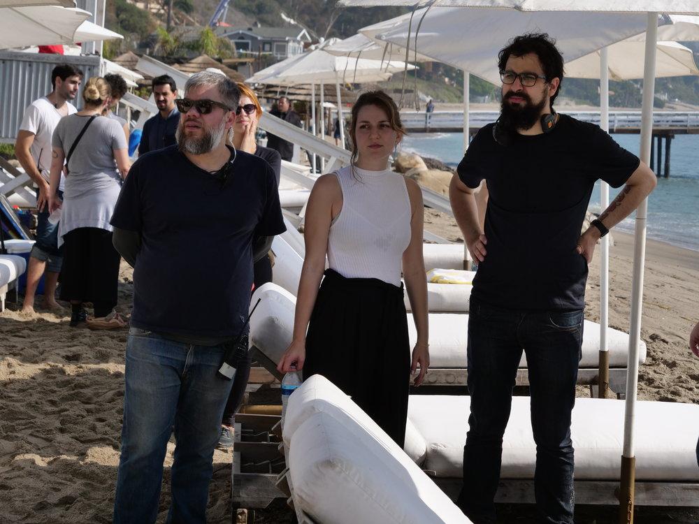 Assistant de director Ulisses Wermelinger, production designer Belisa Bagiani e the director João Papa behind cameras