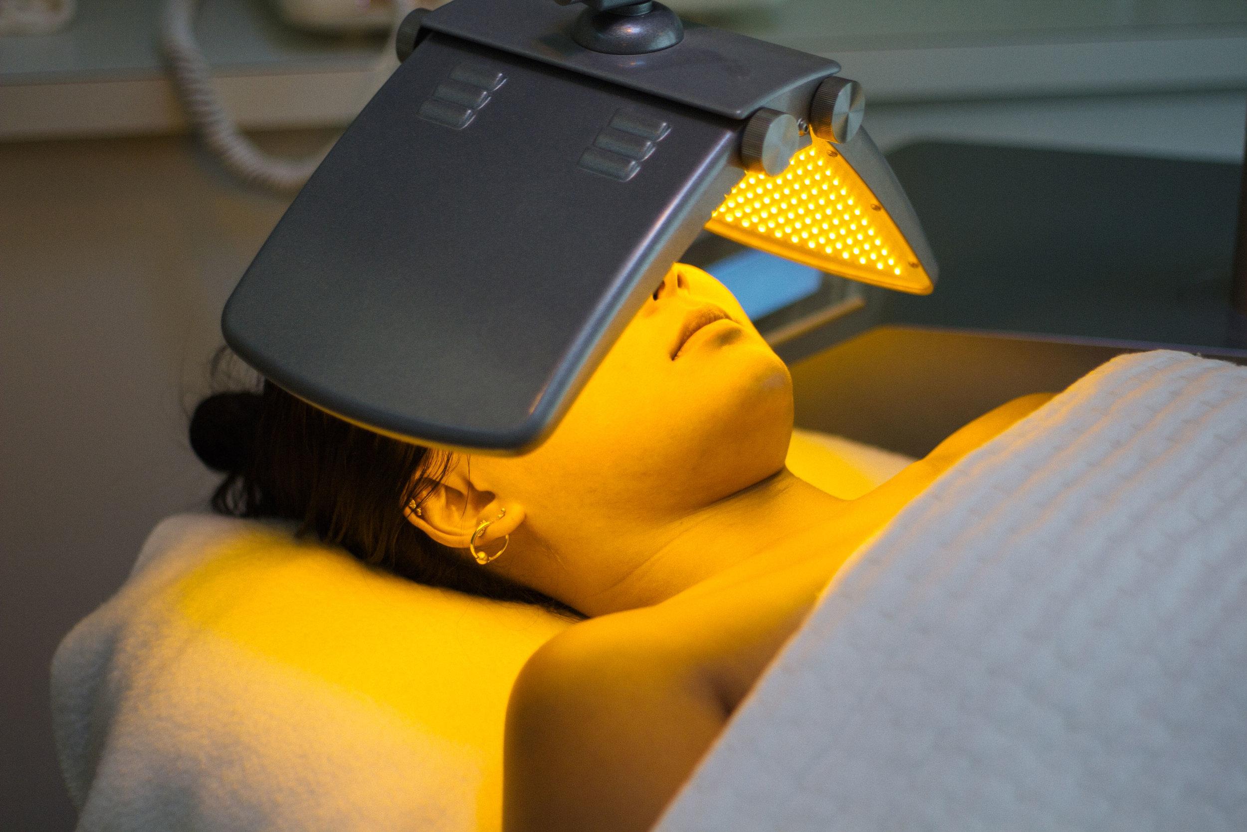 LEDphototherapy.jpg