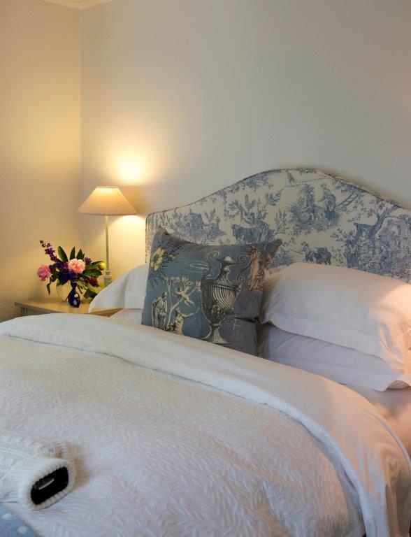 4 annex bed blue.jpg