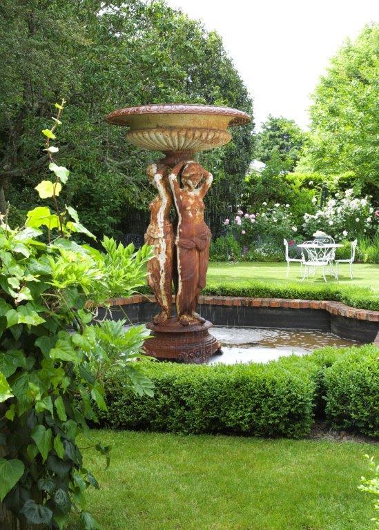 11 - outside gardens.jpg
